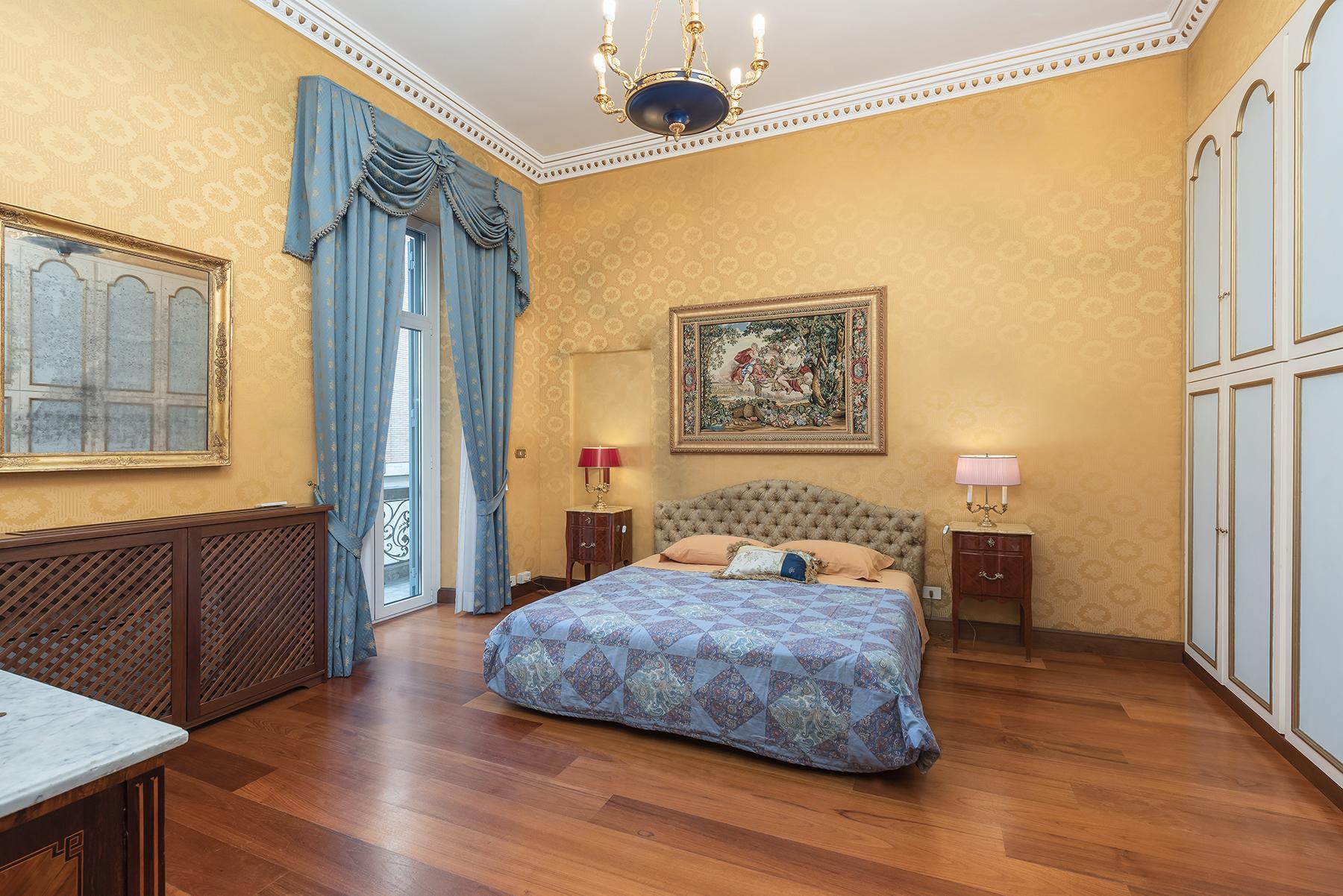 Роскошная квартира с большой террасой  в элегантном здании начала 900 года - 8