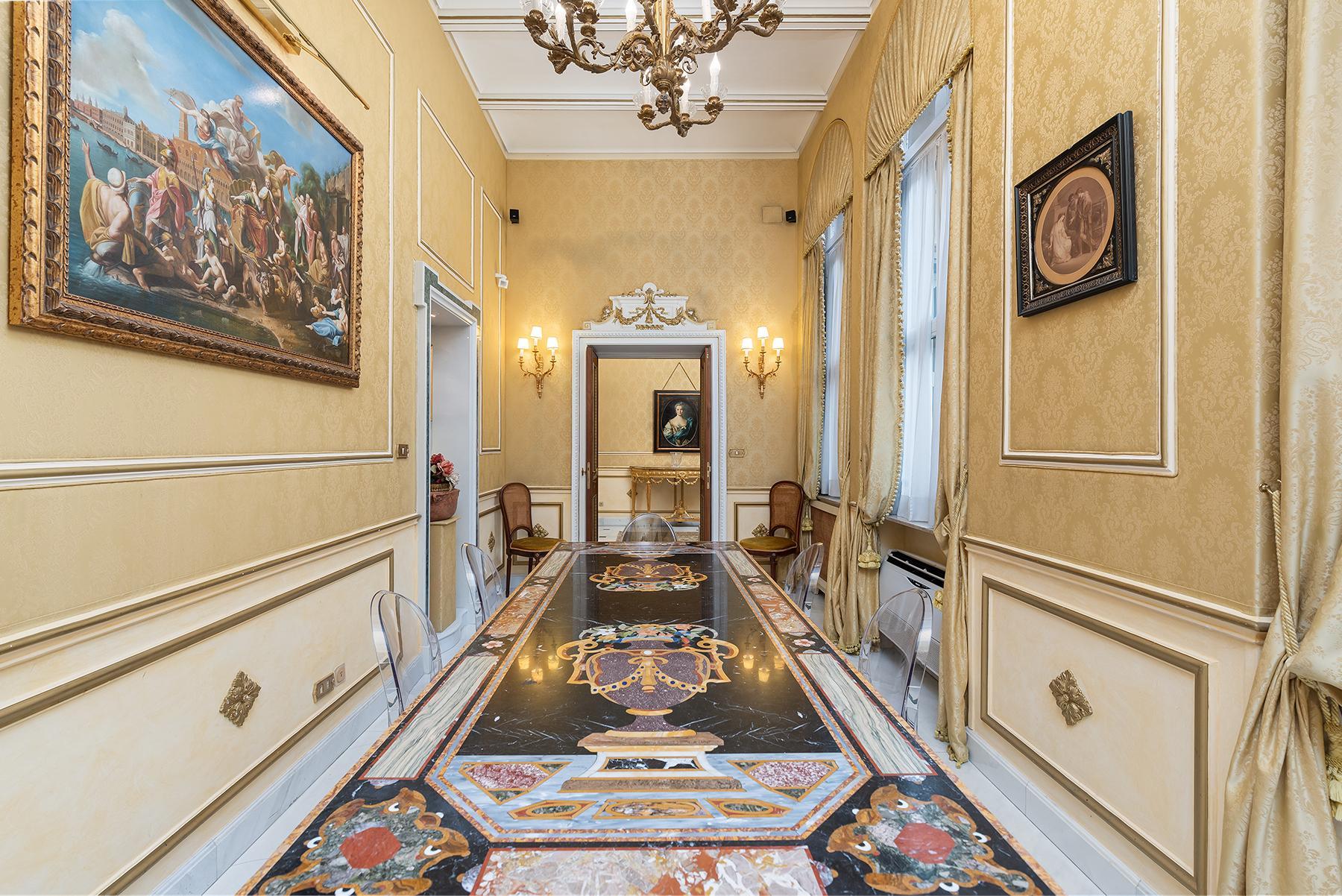 Роскошная квартира с большой террасой  в элегантном здании начала 900 года - 33