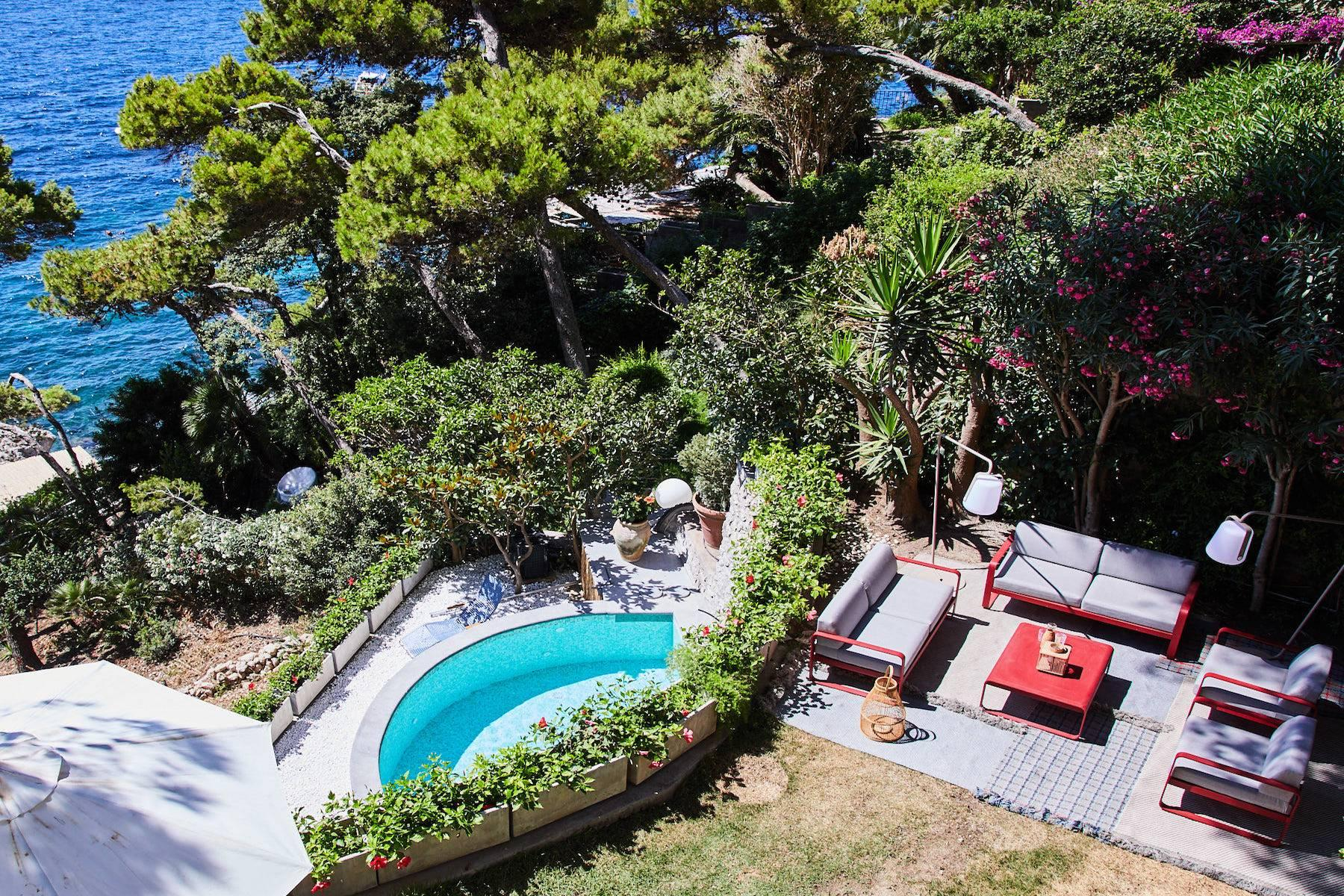 Pied-dans-l'eau Villa in Capri - 3