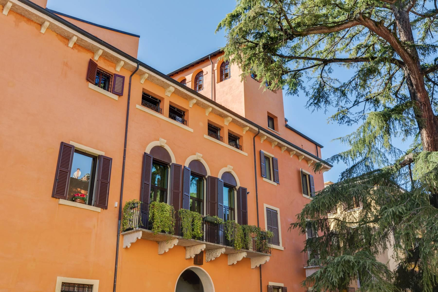 Penthouse in the heart of Verona - 1