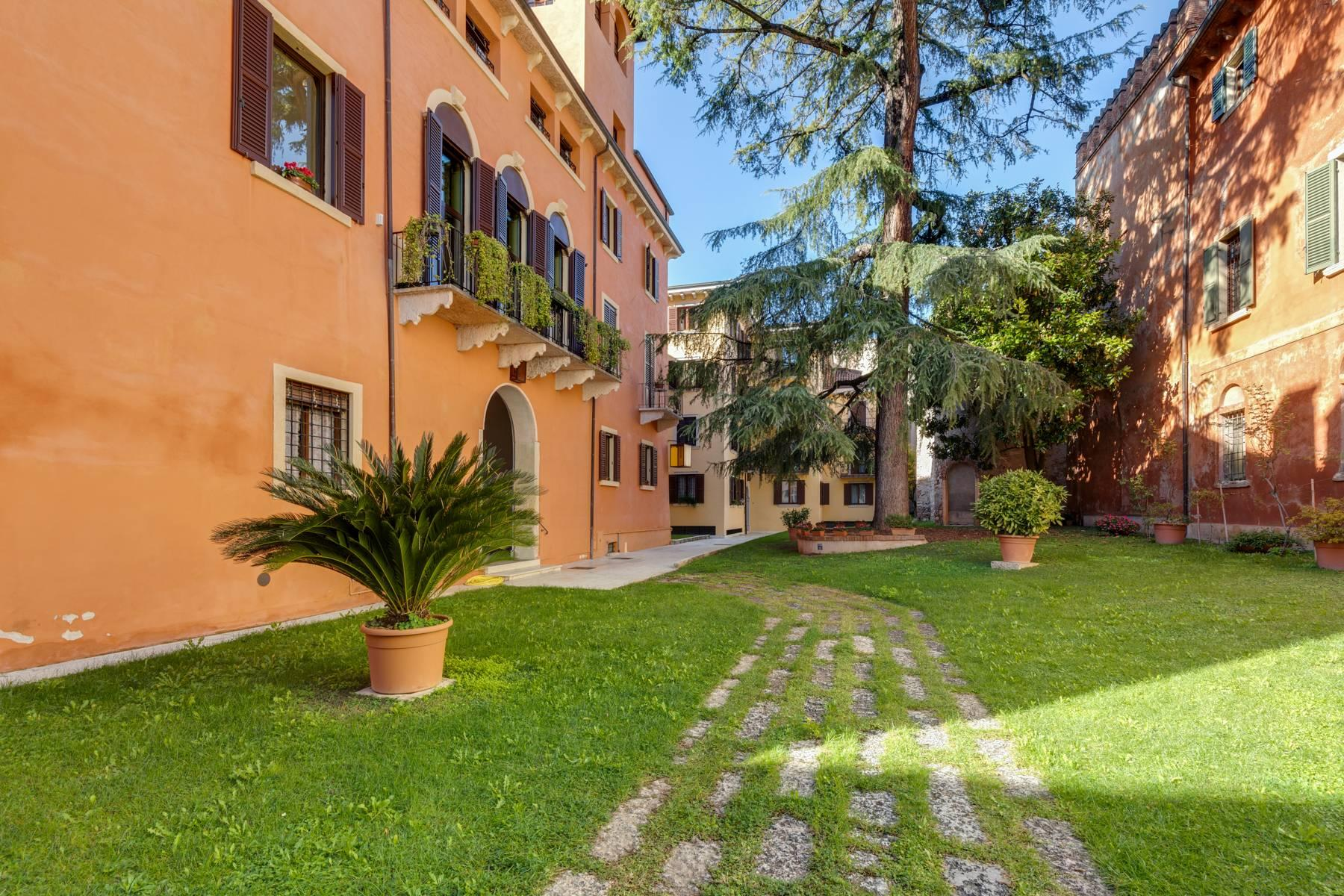 Penthouse in the heart of Verona - 2