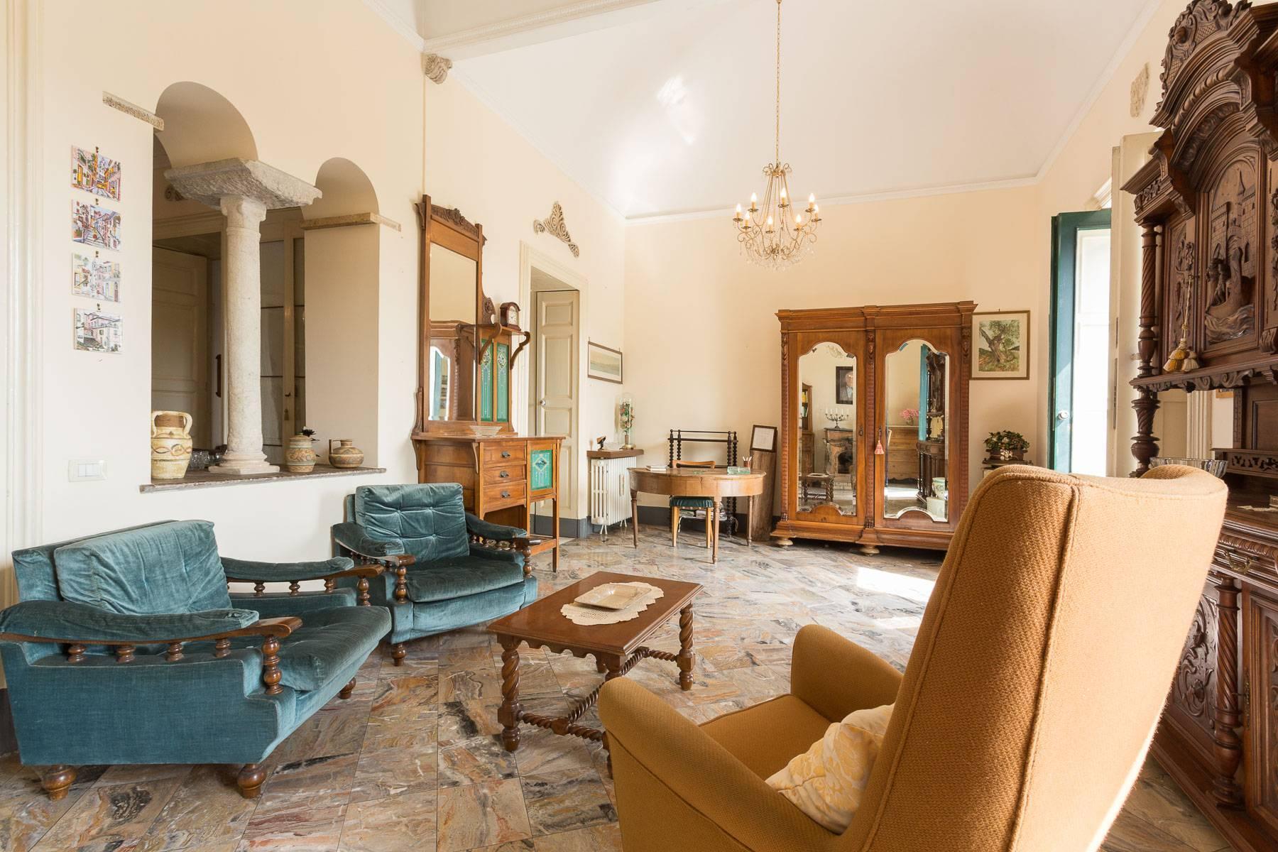 Villa padronale con terreno alle pendici dell'Etna - 7