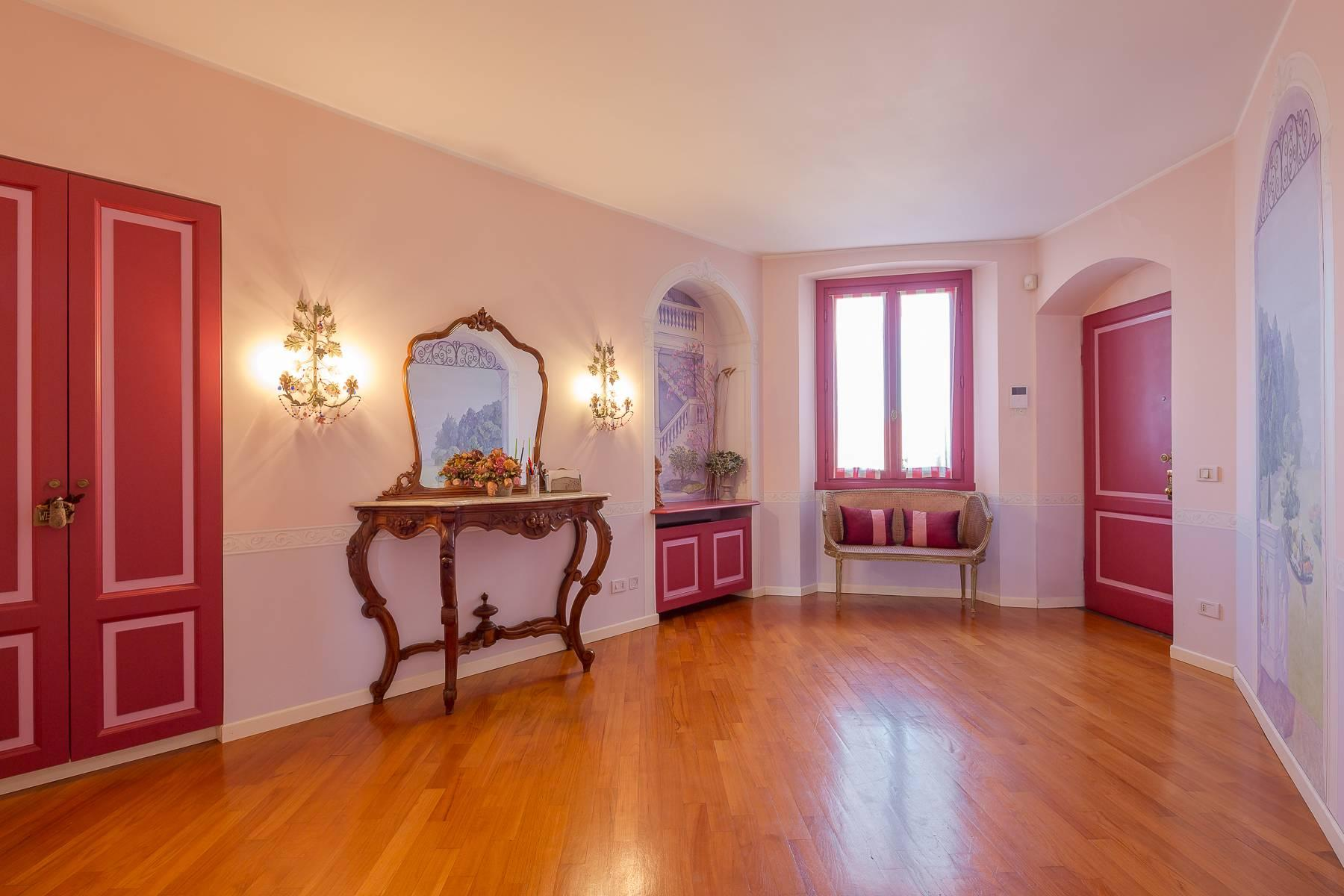 Charming apartment on two levels in one of the most exclusive areas of the city - 2
