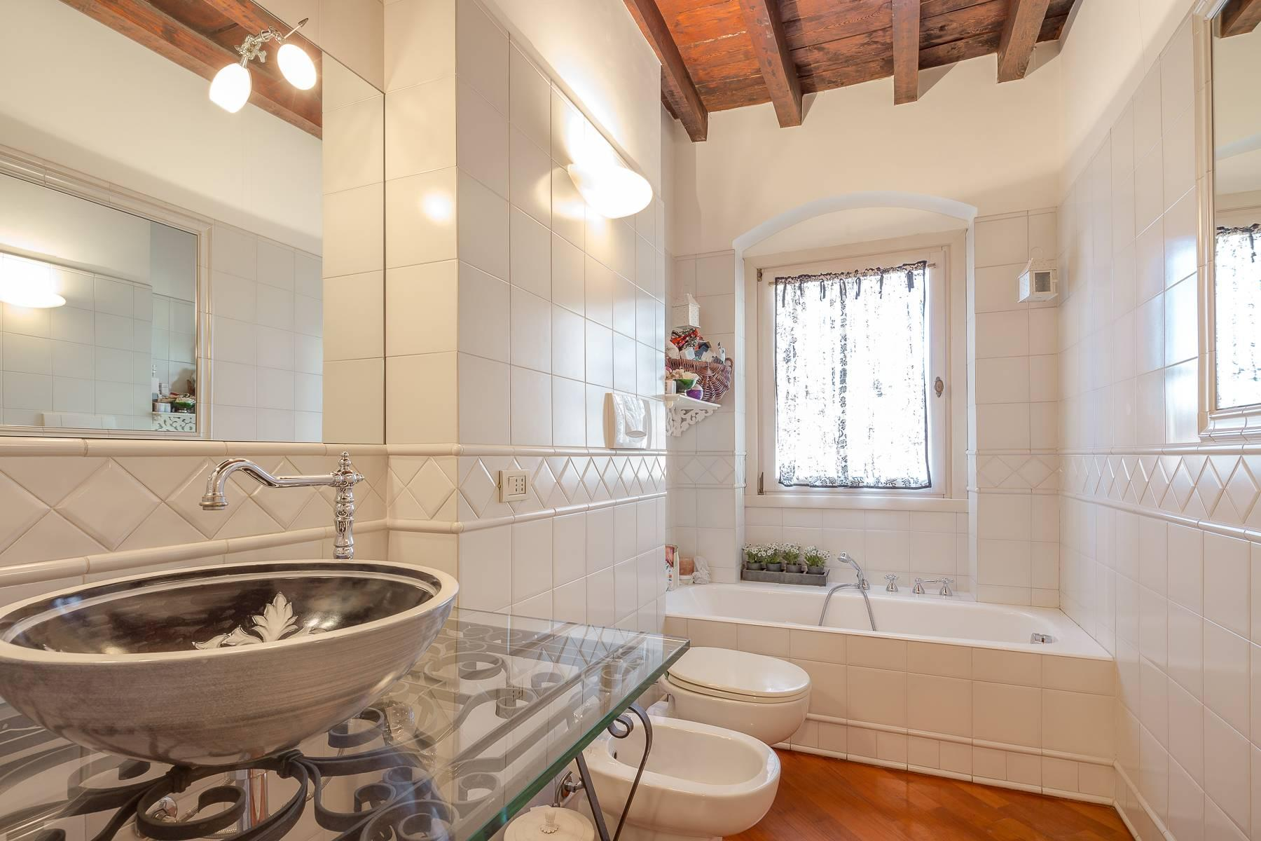 Charming apartment on two levels in one of the most exclusive areas of the city - 10