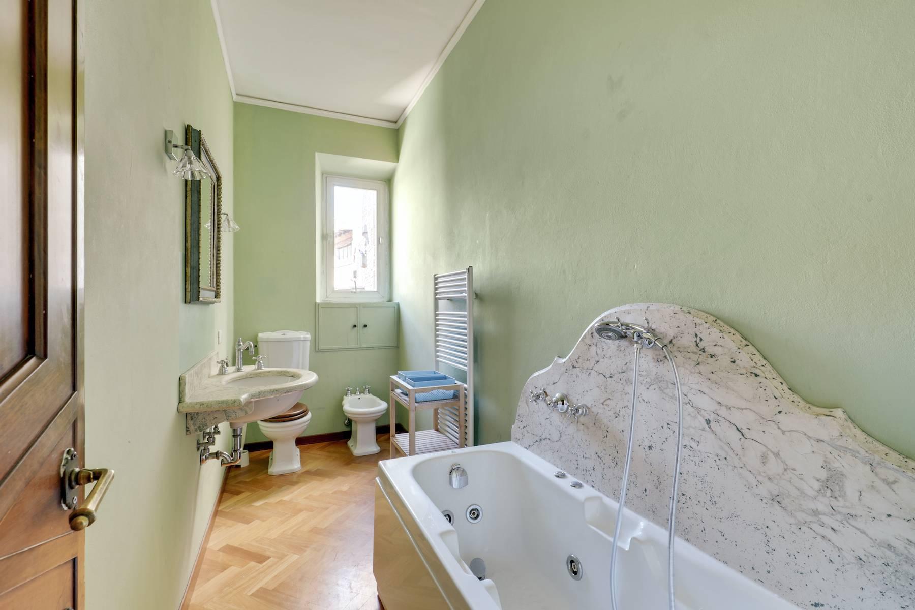 Luxury apartment adjacent to Ponte Vecchio - 13