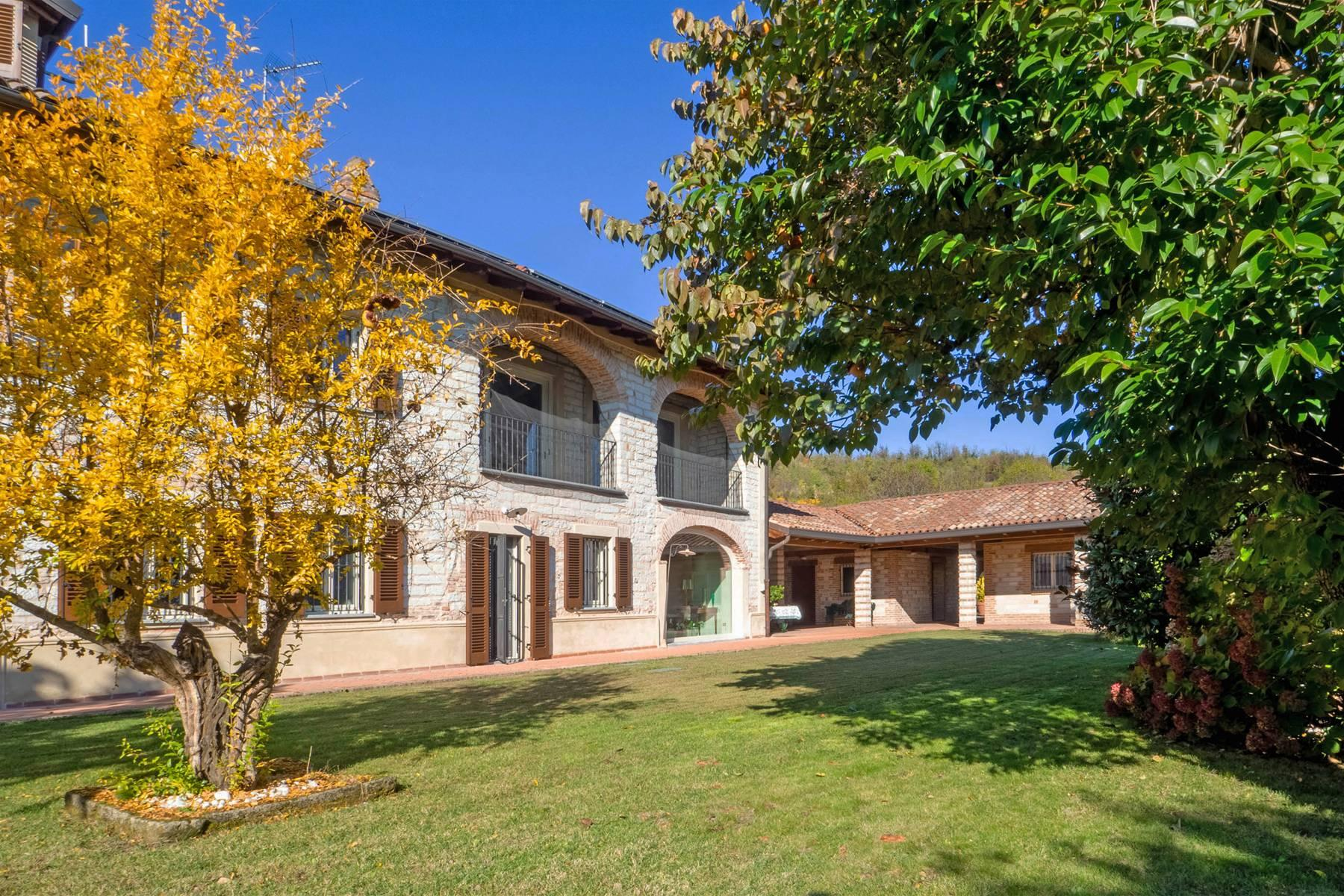 Refined farmhouse nestled in the hills of Monferrato - 1