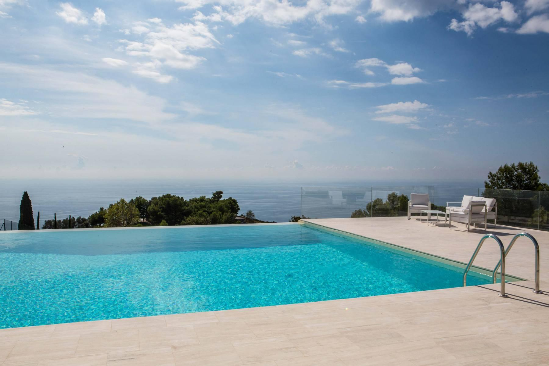 Gorgeous villa overlooking the sea - 2