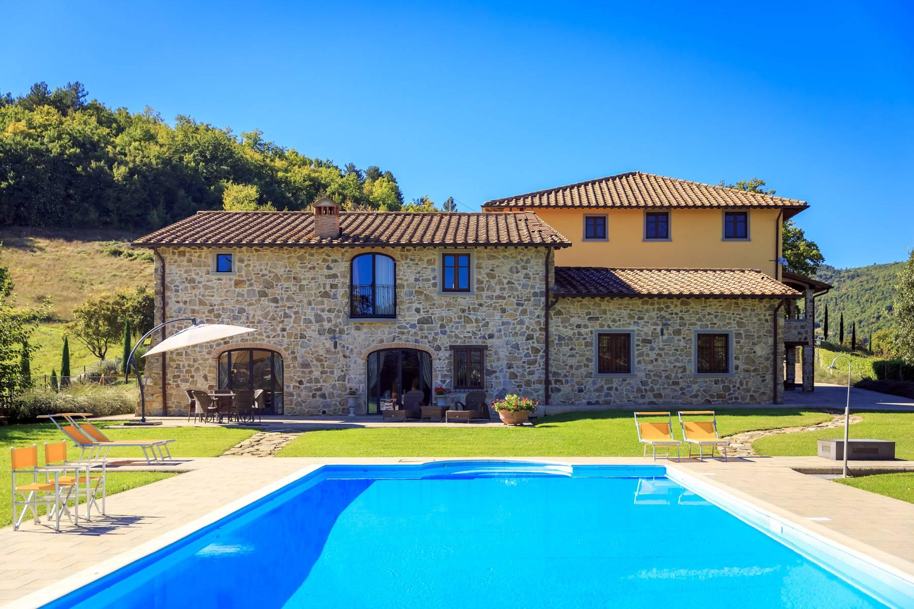 Marvelous estate with views over the Casentino valley - 1