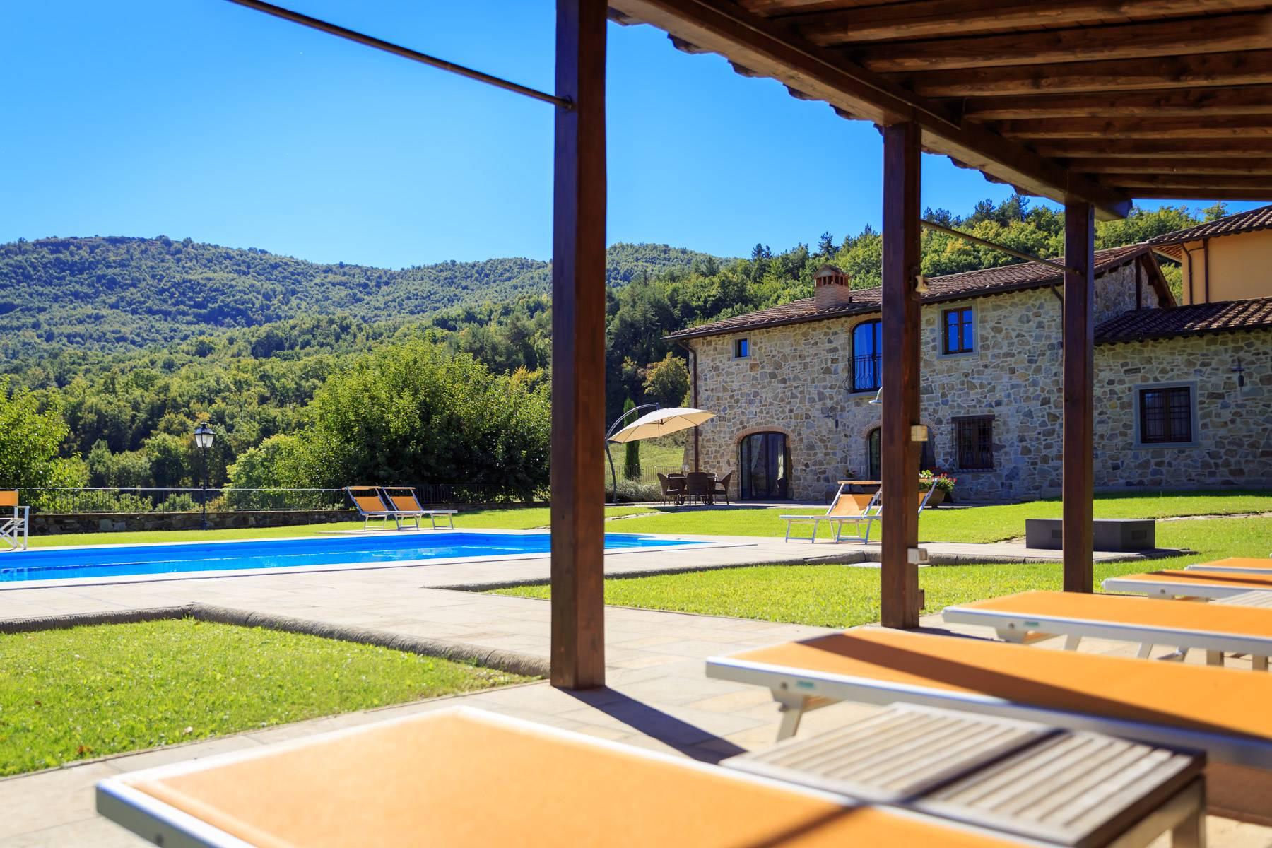 Marvelous estate with views over the Casentino valley - 31