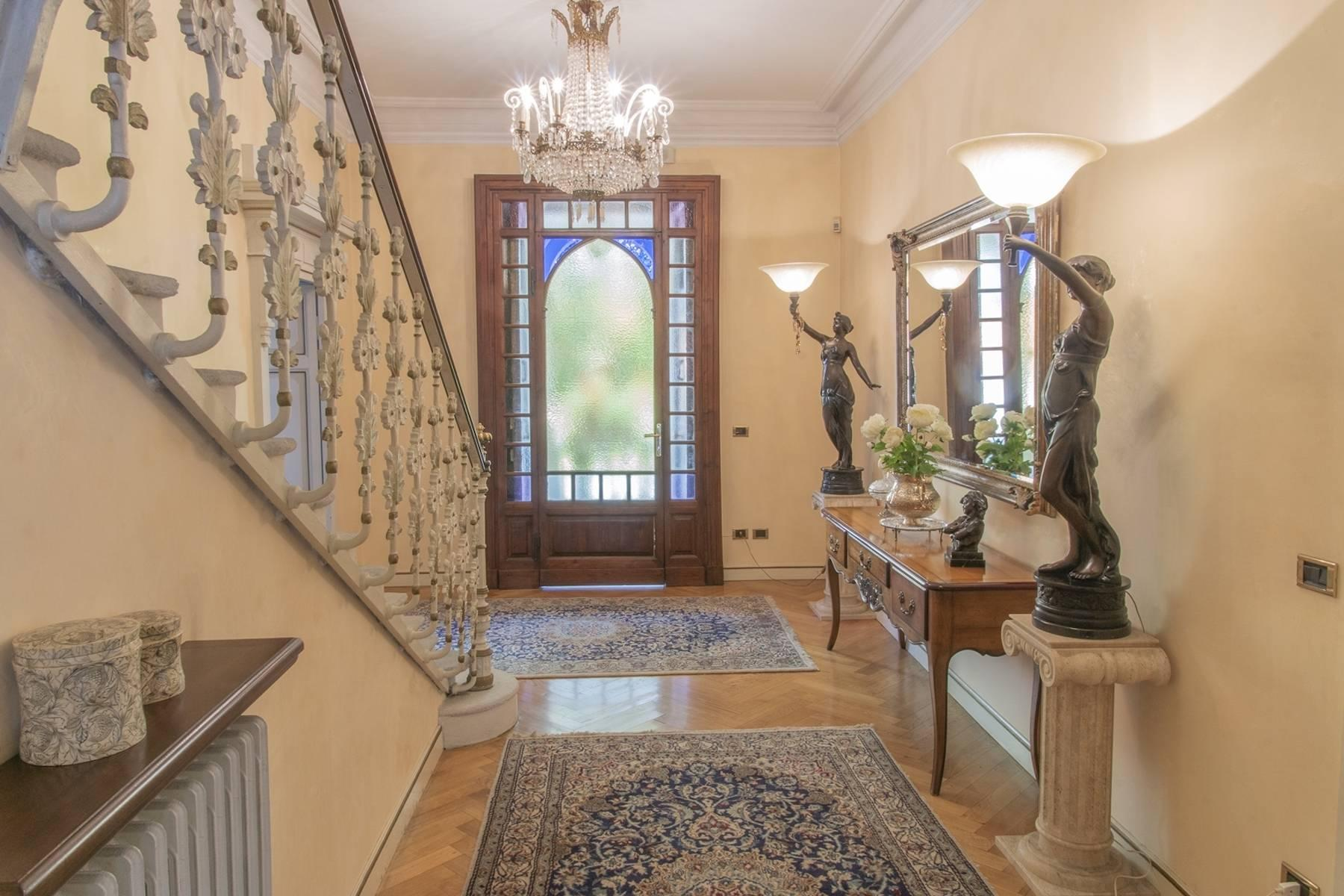 Majestic period villa with swimming pool and tower in the heart of Stresa - 12