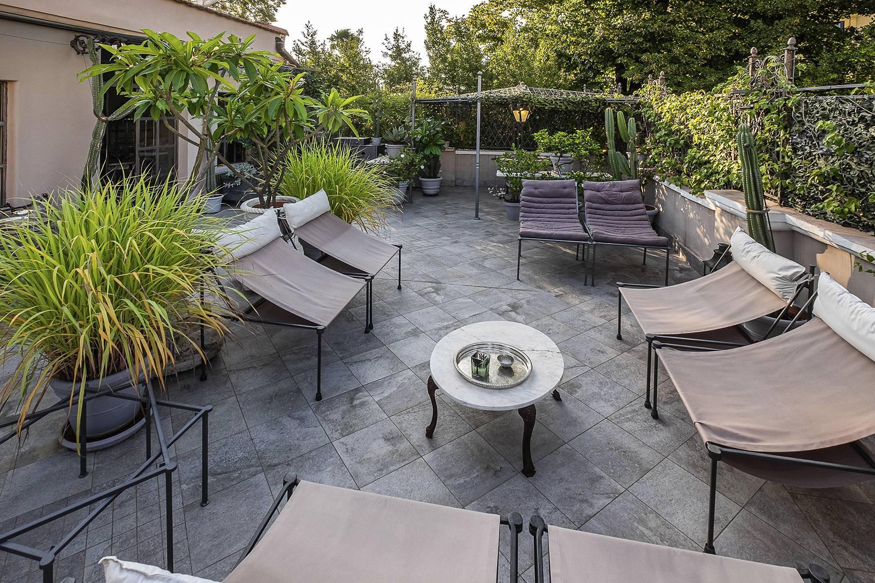 Gorgeous duplex penthouse with terraces in unique location - 6