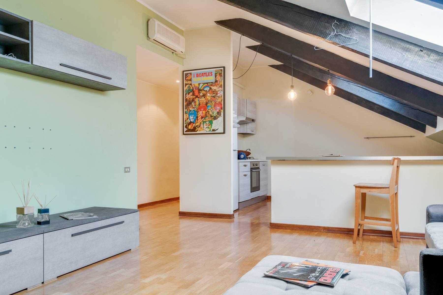 Bright attic in the heart of Crocetta neighborhood - 5