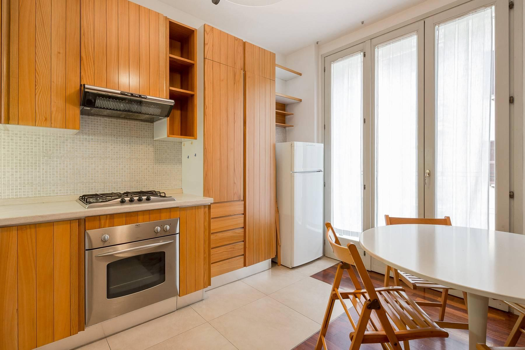 One-bedroom apartment in the Isola area - 4
