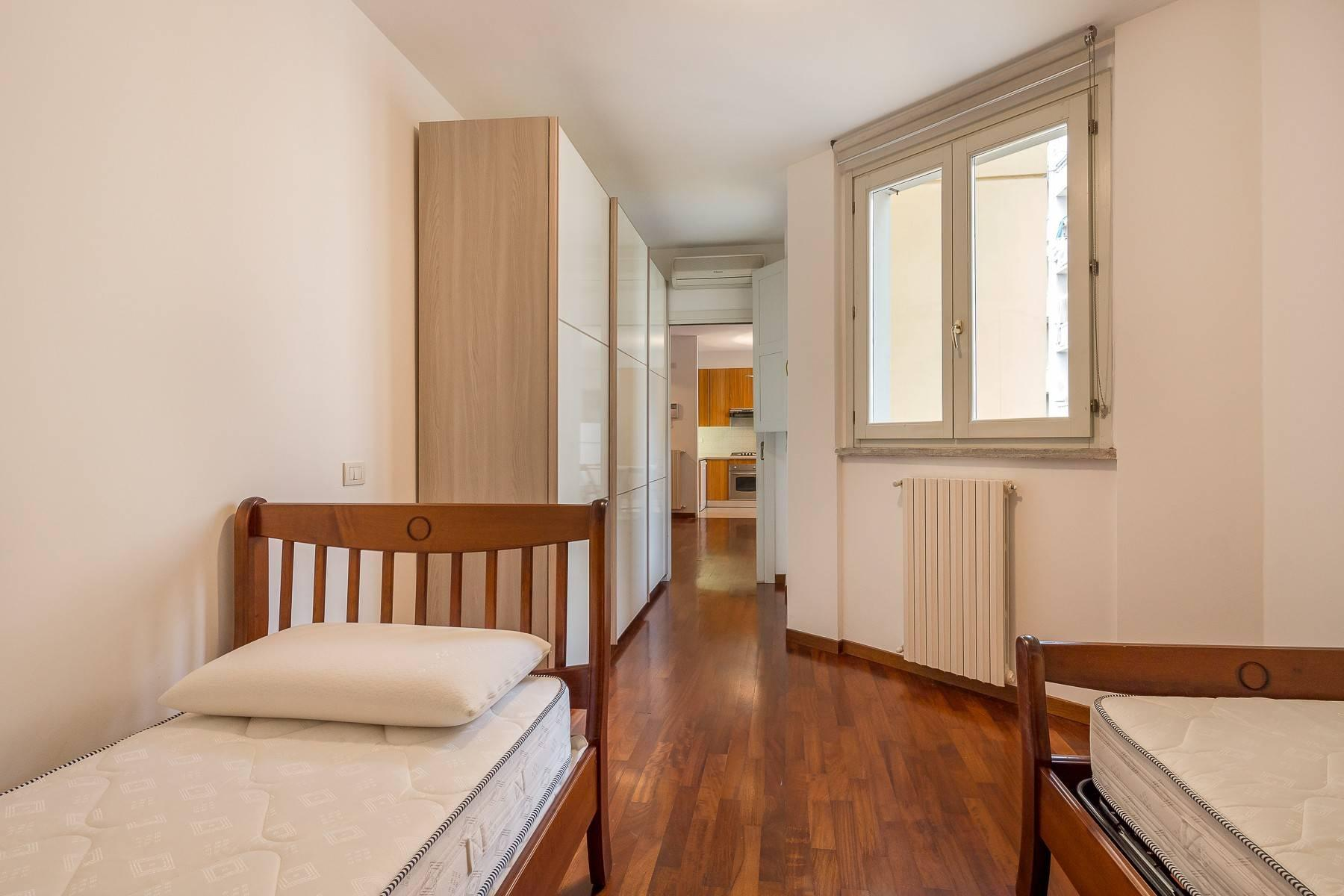 One-bedroom apartment in the Isola area - 13