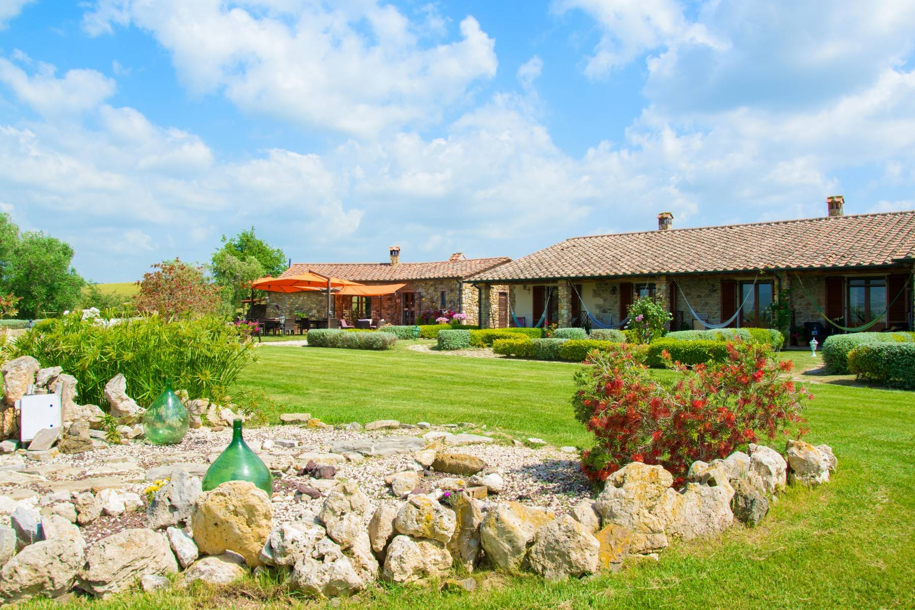 A property in the tuscan countryside for those who want to change their life - 1