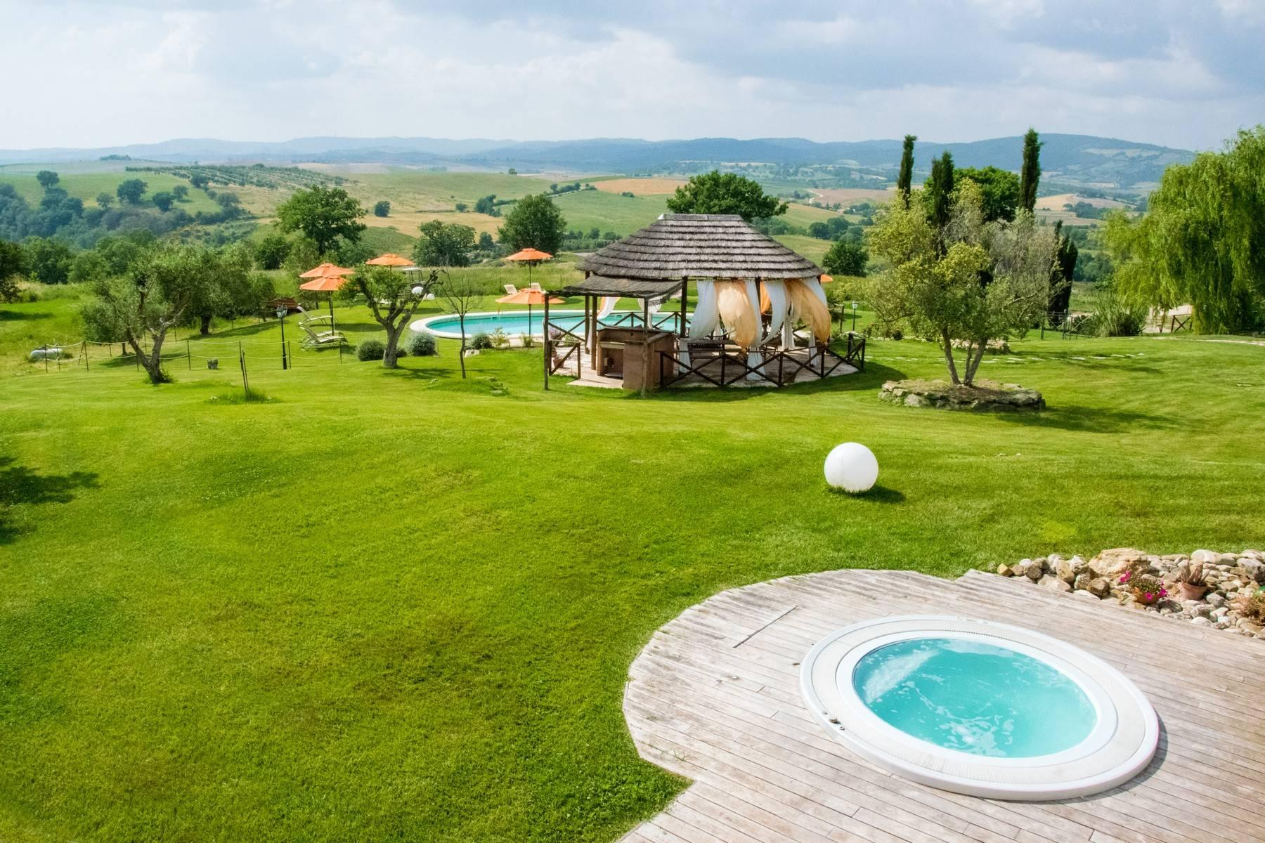 A property in the tuscan countryside for those who want to change their life - 10