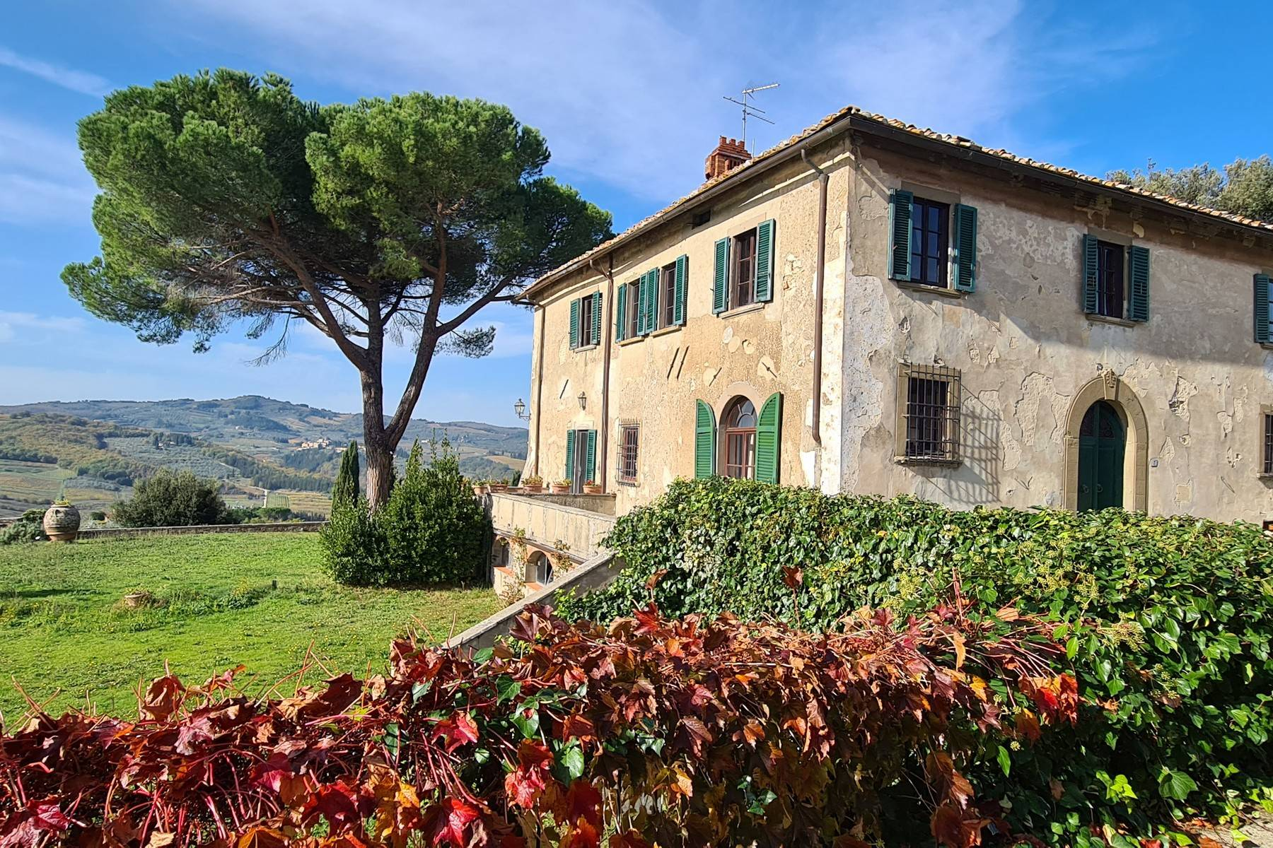Enchanting historical villa in the heart of Chianti - 1