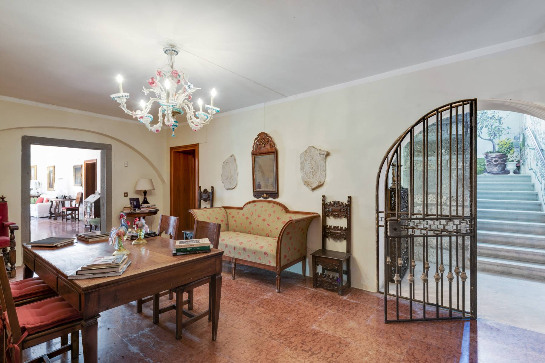 Stunning 18th century villa with 45 hectares of land - 27