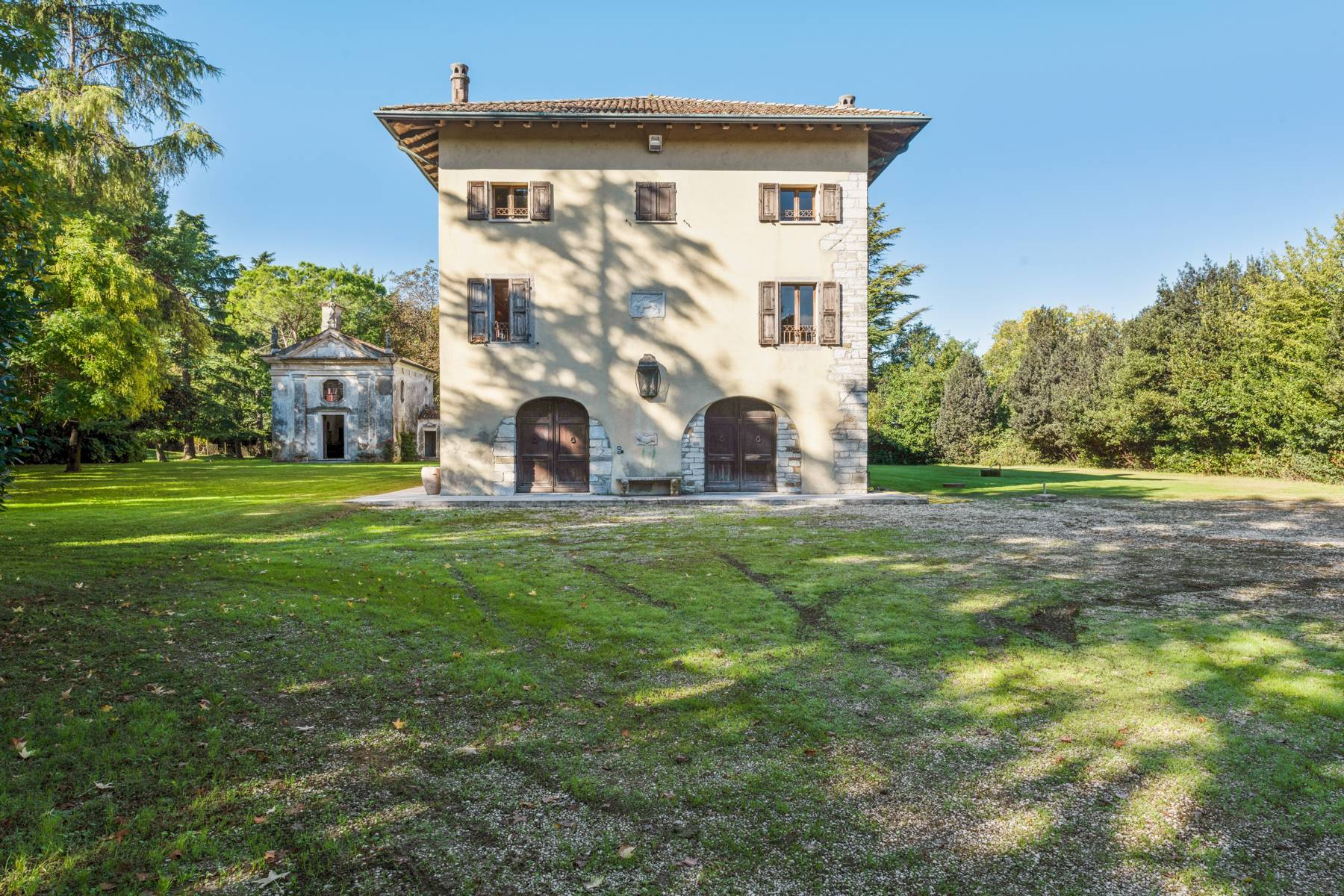 Stunning 18th century villa with 45 hectares of land - 9