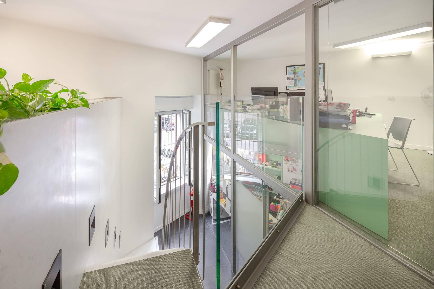 Opne-Space Büro / Wohnimmobilie auf der Piazza Giovine Italia / Via Aurelio Saffi - 4