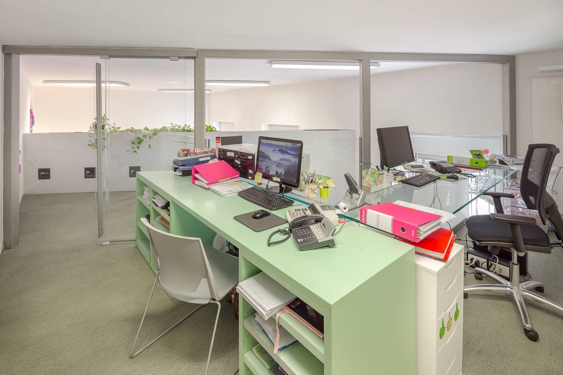 Opne-Space Büro / Wohnimmobilie auf der Piazza Giovine Italia / Via Aurelio Saffi - 8