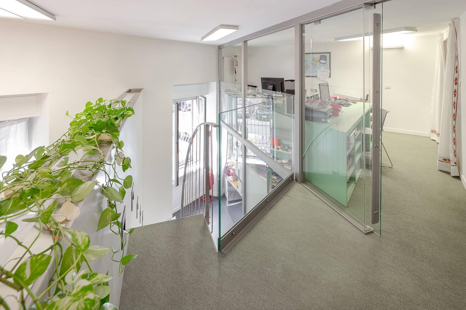 Opne-Space Büro / Wohnimmobilie auf der Piazza Giovine Italia / Via Aurelio Saffi - 16