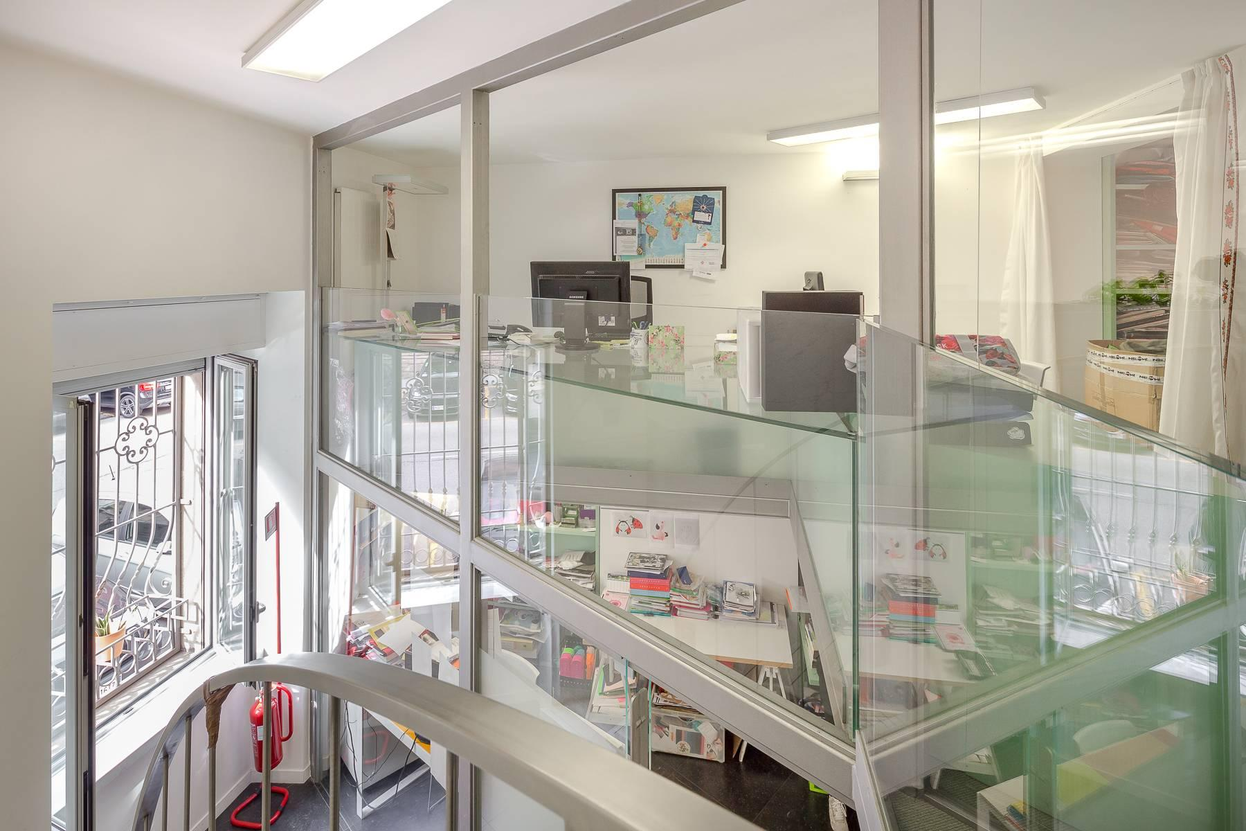 Opne-Space Büro / Wohnimmobilie auf der Piazza Giovine Italia / Via Aurelio Saffi - 17