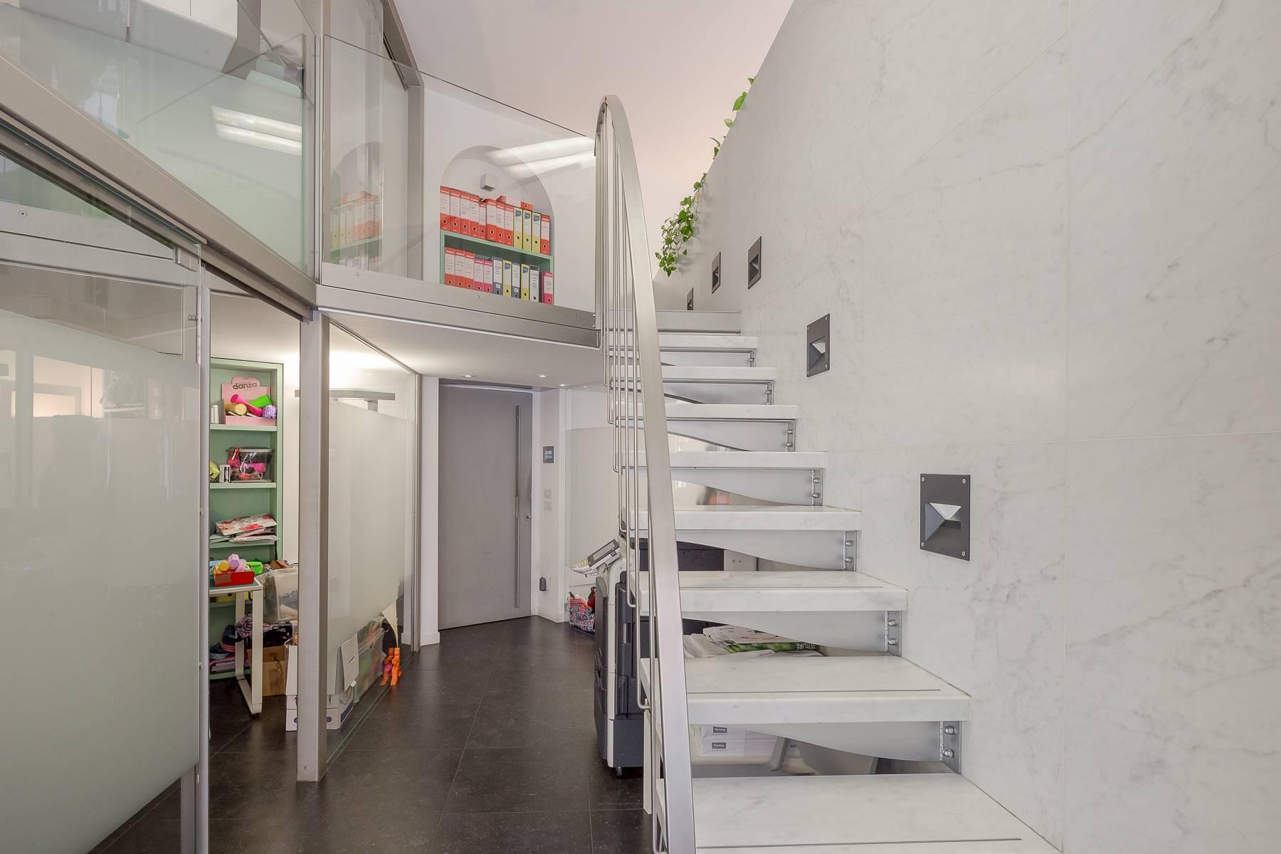 Opne-Space Büro / Wohnimmobilie auf der Piazza Giovine Italia / Via Aurelio Saffi - 9
