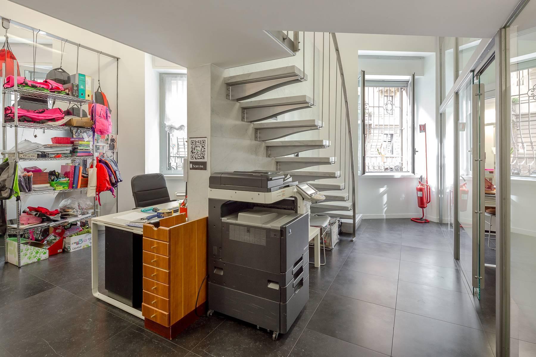 Opne-Space Büro / Wohnimmobilie auf der Piazza Giovine Italia / Via Aurelio Saffi - 10