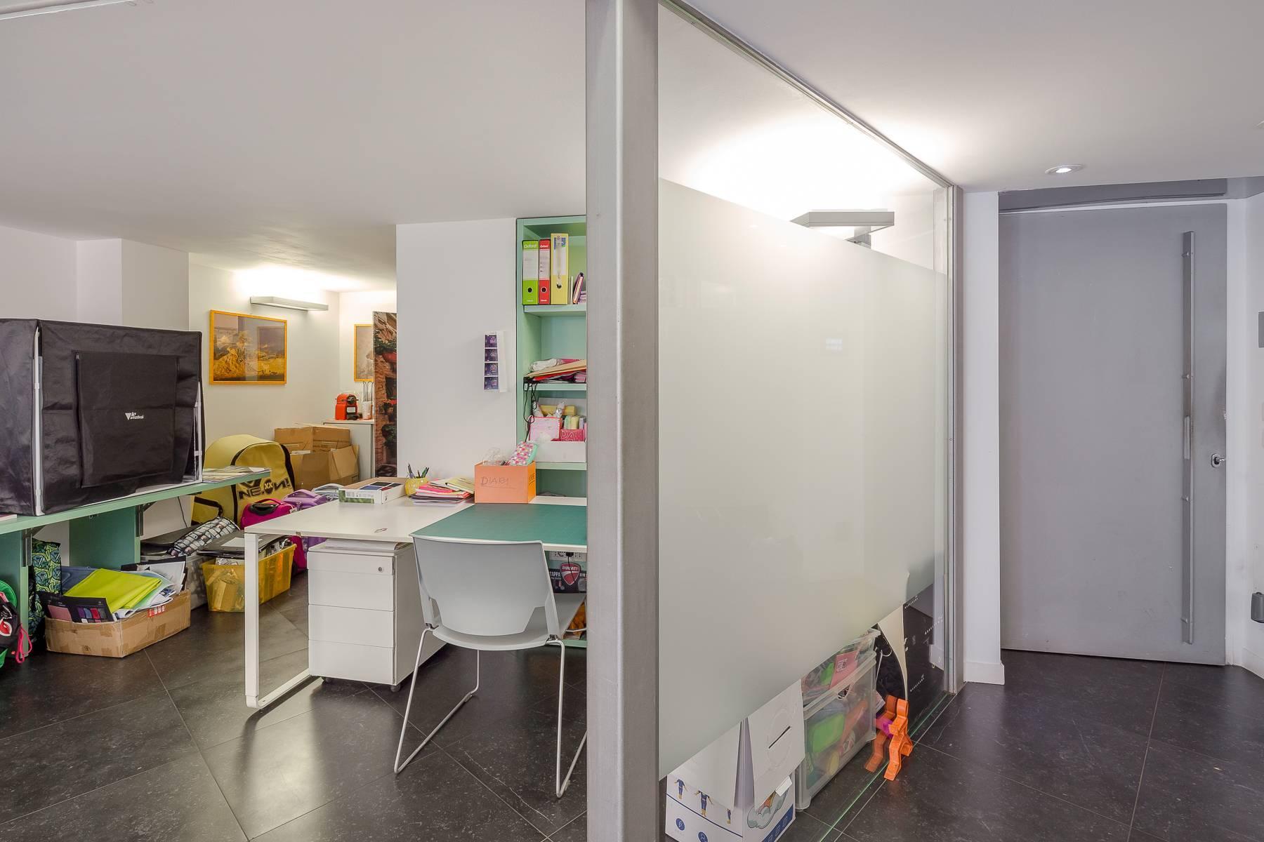 Opne-Space Büro / Wohnimmobilie auf der Piazza Giovine Italia / Via Aurelio Saffi - 19