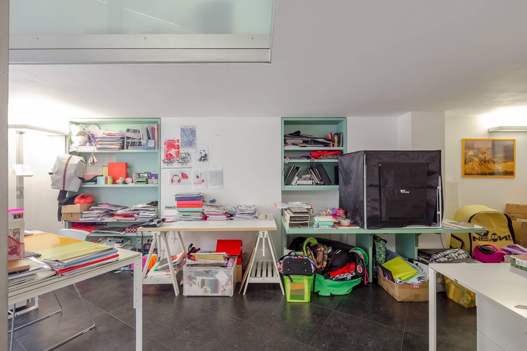 Opne-Space Büro / Wohnimmobilie auf der Piazza Giovine Italia / Via Aurelio Saffi - 6