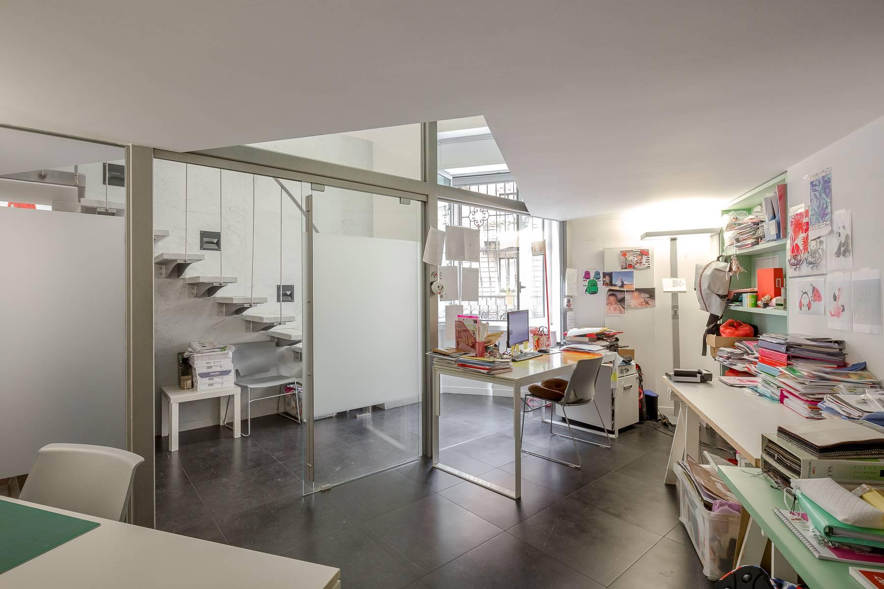 Opne-Space Büro / Wohnimmobilie auf der Piazza Giovine Italia / Via Aurelio Saffi - 20