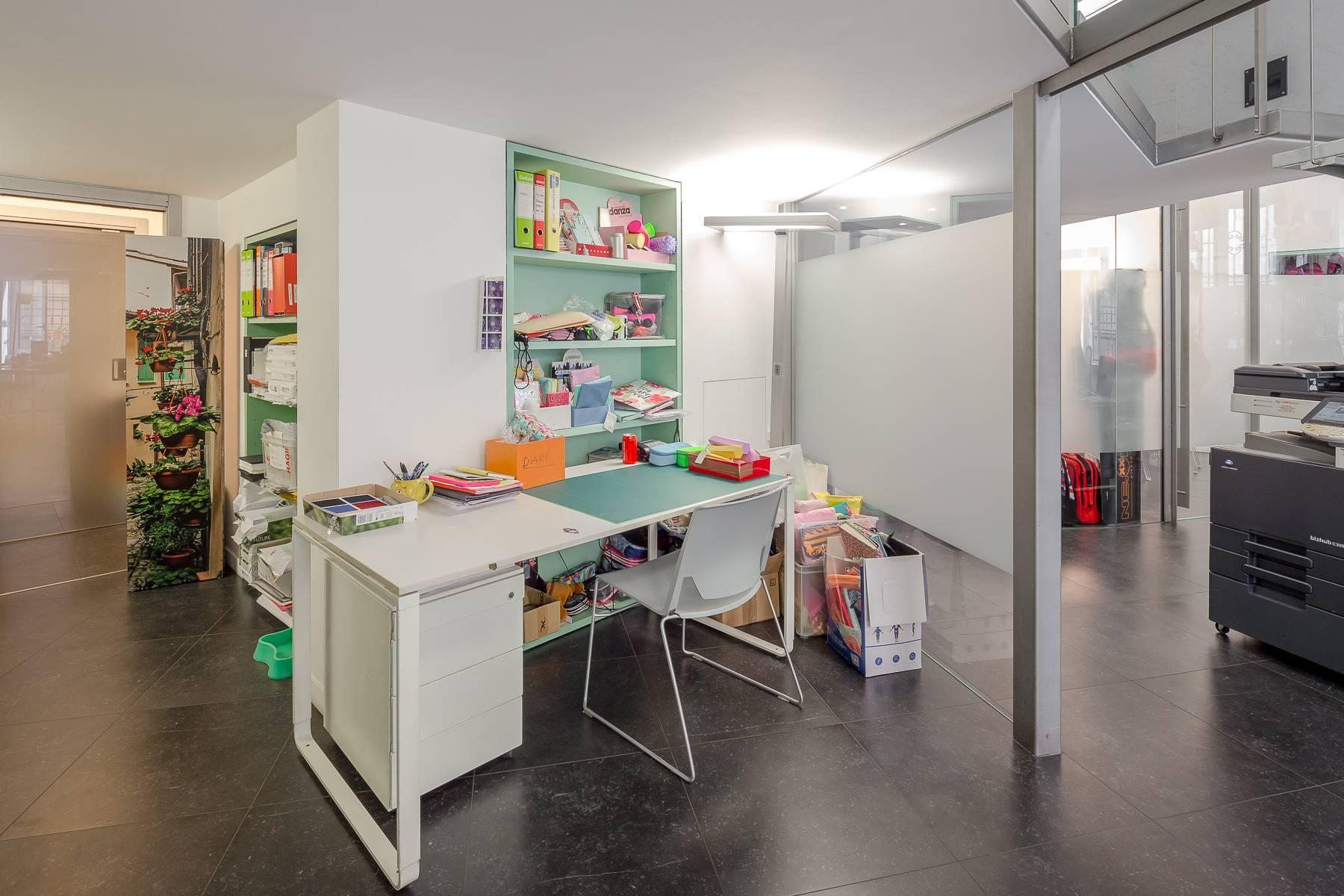Opne-Space Büro / Wohnimmobilie auf der Piazza Giovine Italia / Via Aurelio Saffi - 11
