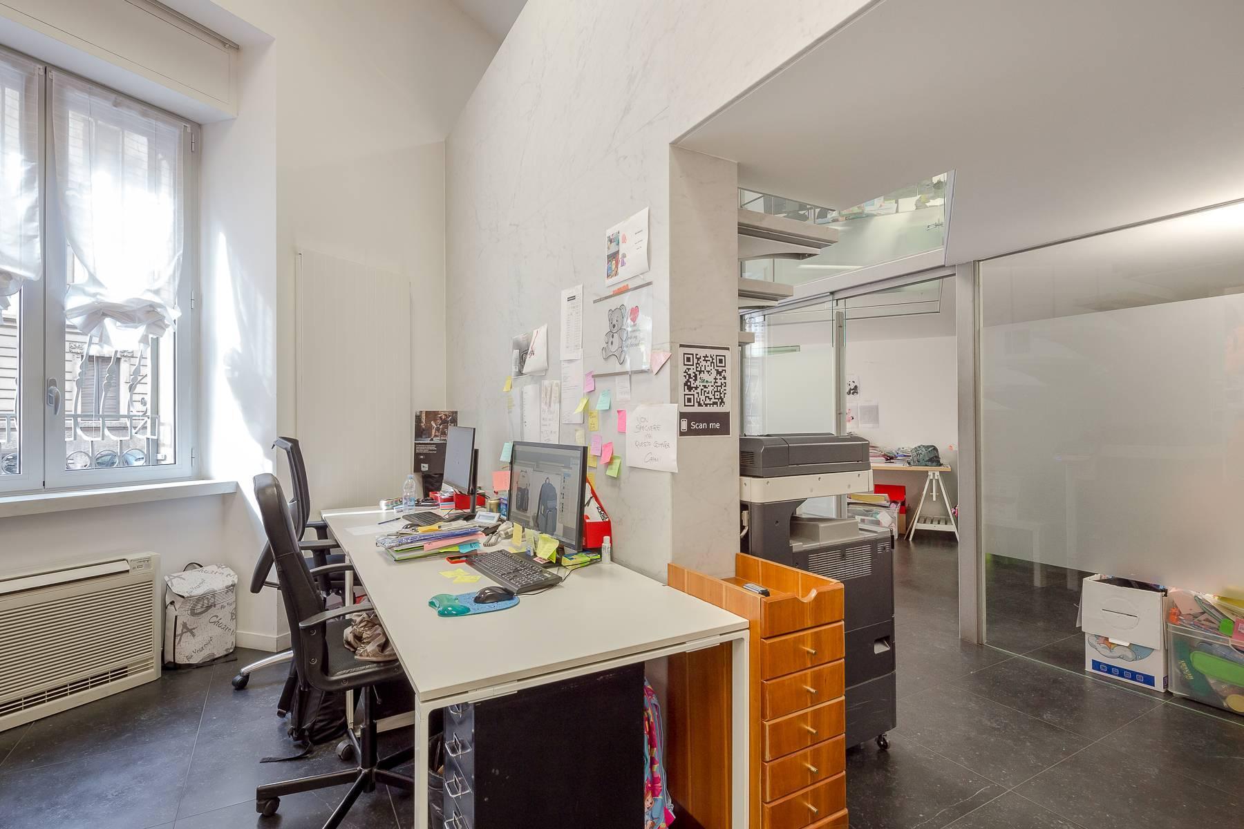 Opne-Space Büro / Wohnimmobilie auf der Piazza Giovine Italia / Via Aurelio Saffi - 21