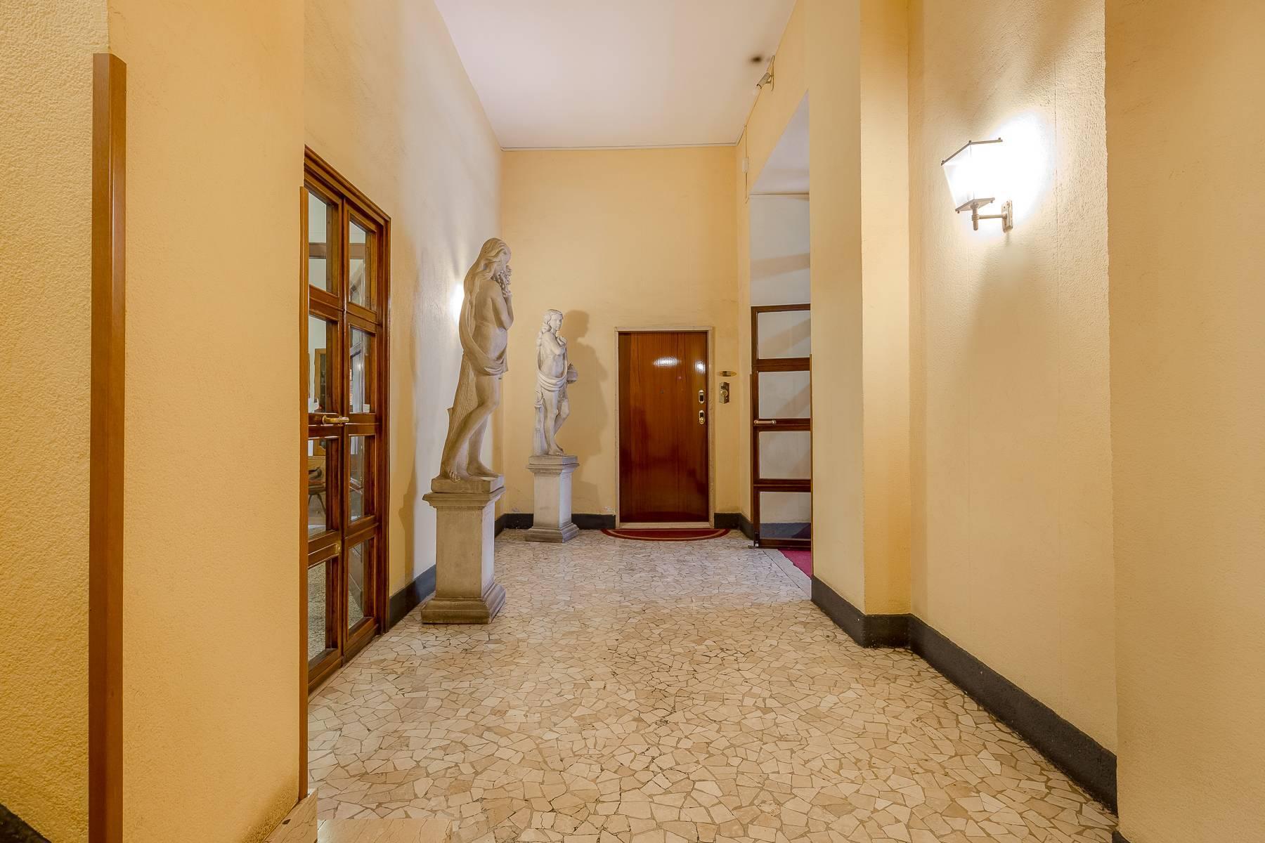 Opne-Space Büro / Wohnimmobilie auf der Piazza Giovine Italia / Via Aurelio Saffi - 2