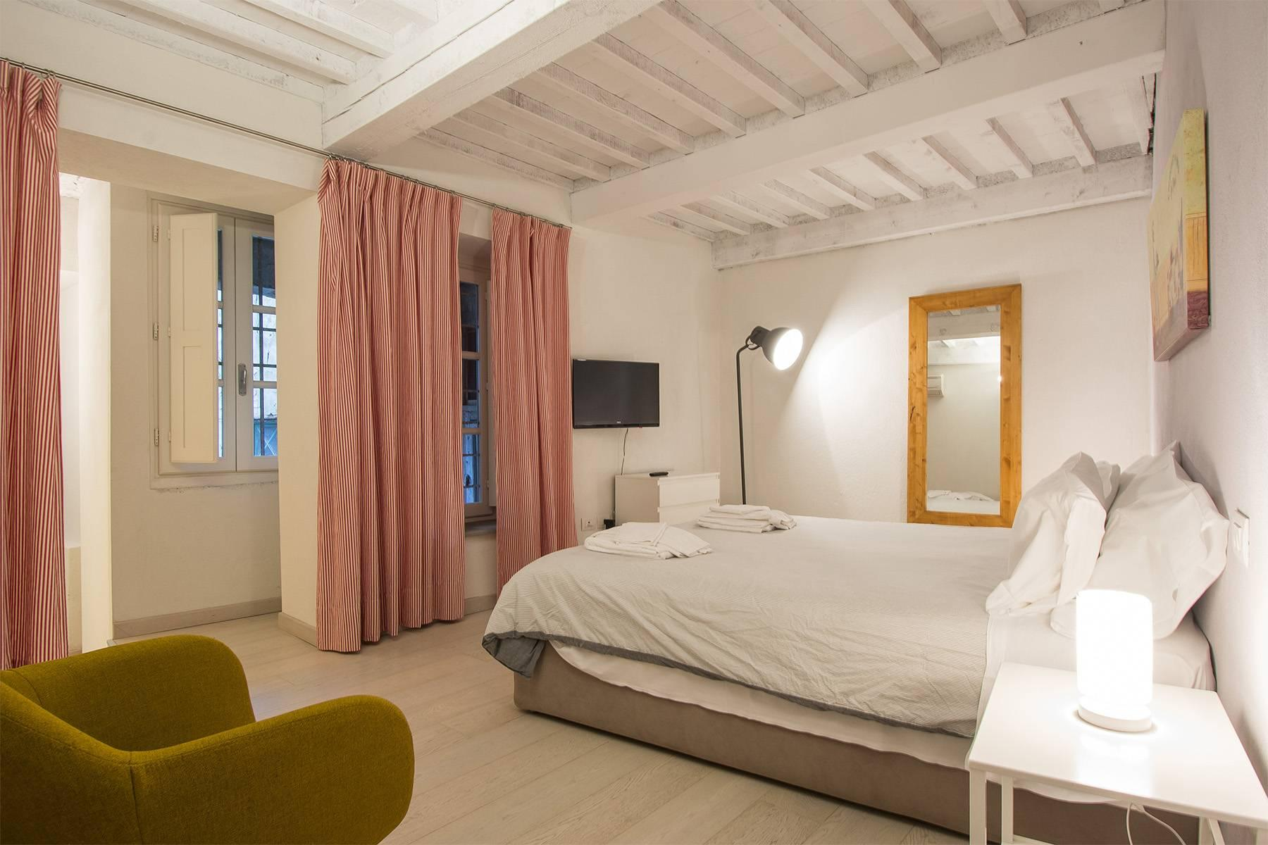 Palazzo in the heart of the Medieval city of Lucca - 28