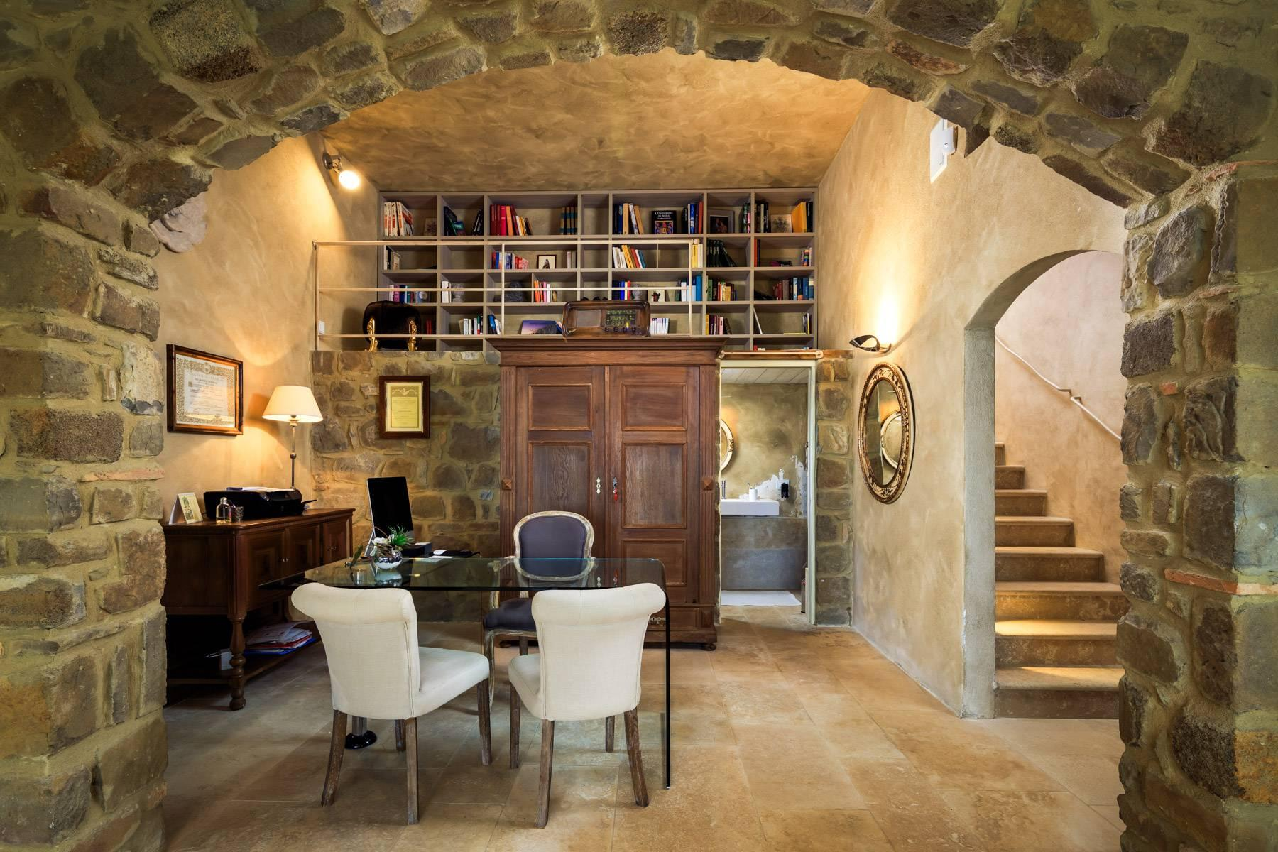Marvelous newly restored farmhouse close to Montalcino - 10