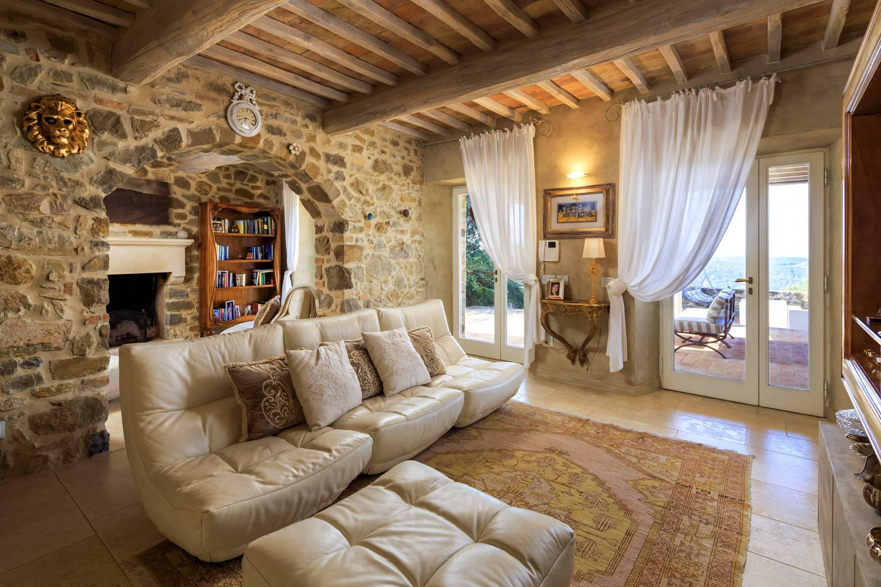 Marvelous newly restored farmhouse close to Montalcino - 12