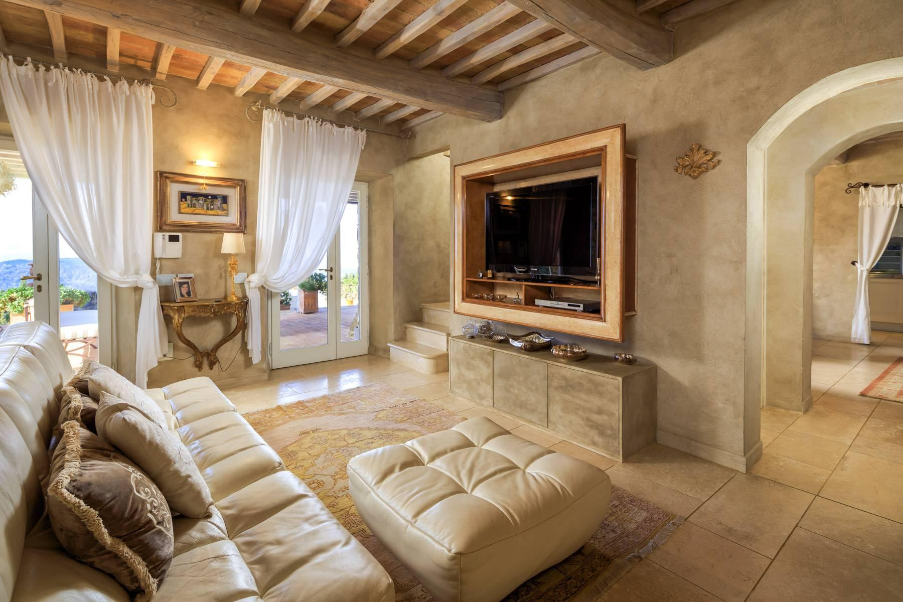Marvelous newly restored farmhouse close to Montalcino - 17