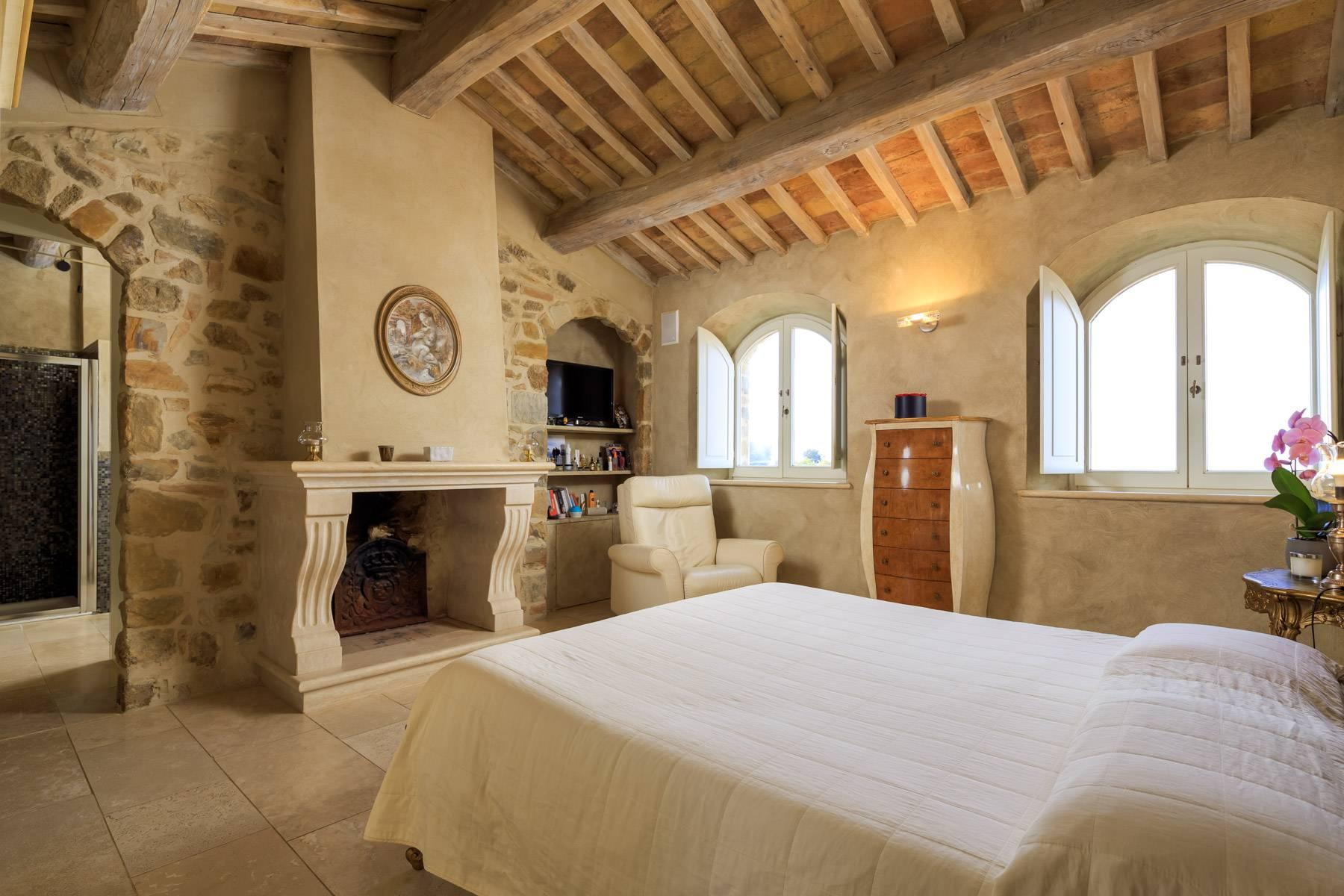 Marvelous newly restored farmhouse close to Montalcino - 14