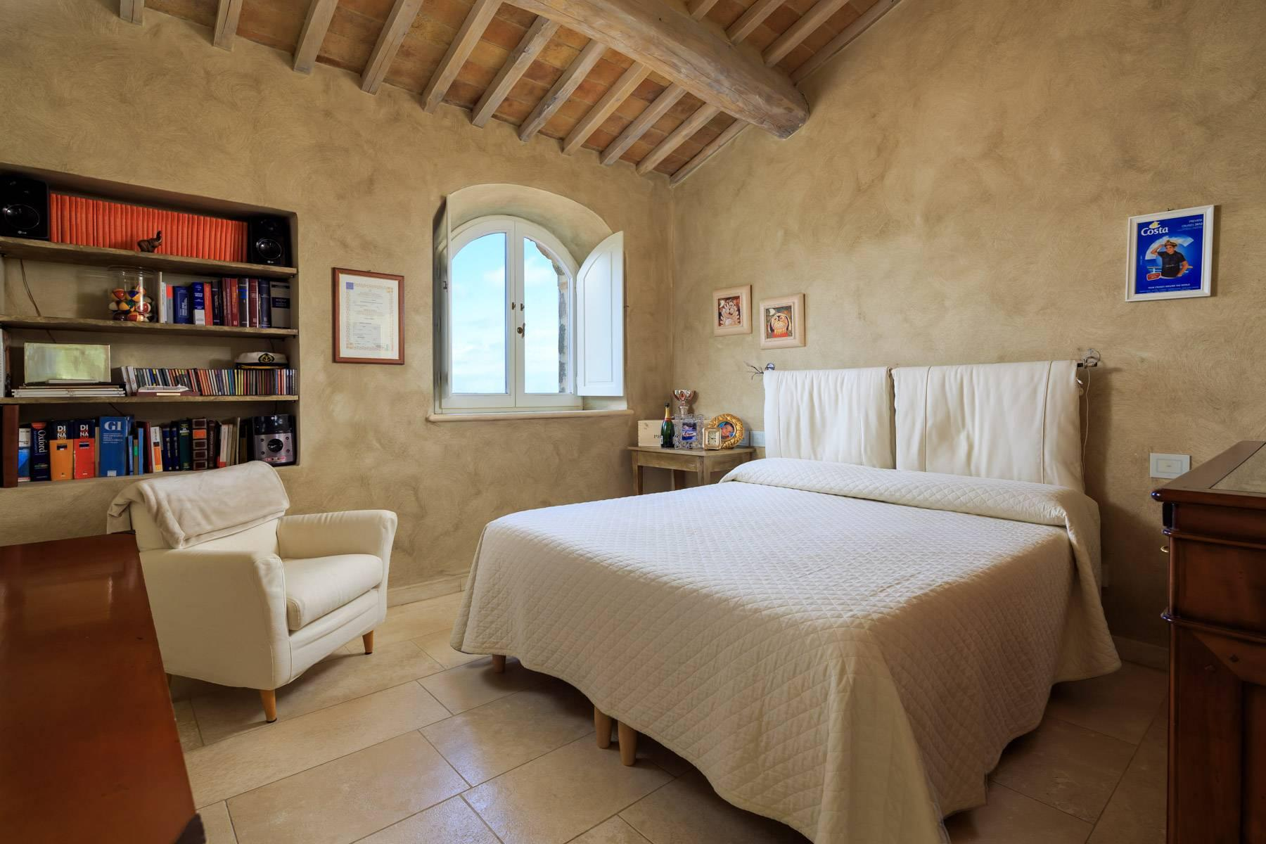 Marvelous newly restored farmhouse close to Montalcino - 16