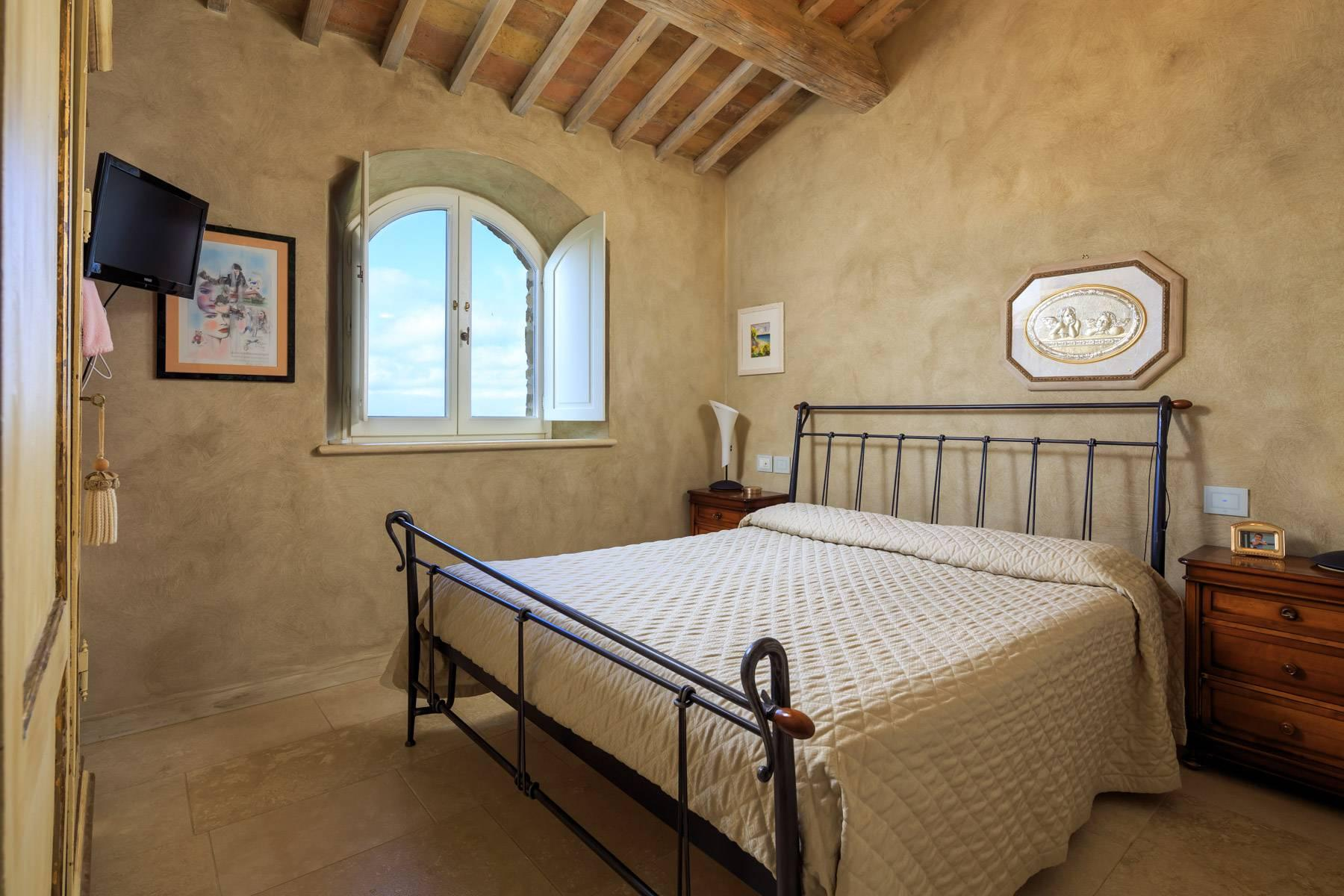 Marvelous newly restored farmhouse close to Montalcino - 20