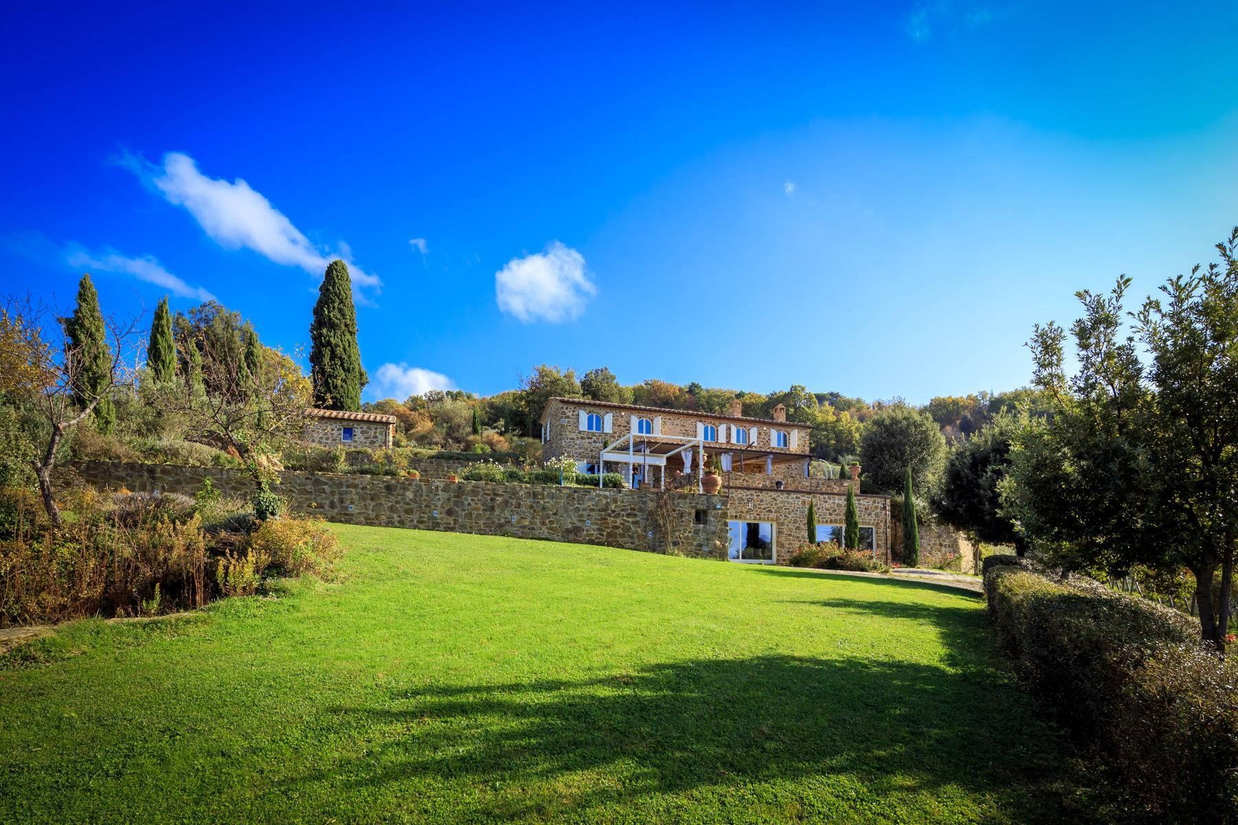 Wunderschönes restauriertes Bauernhaus in der Nähe von Montalcino - 1