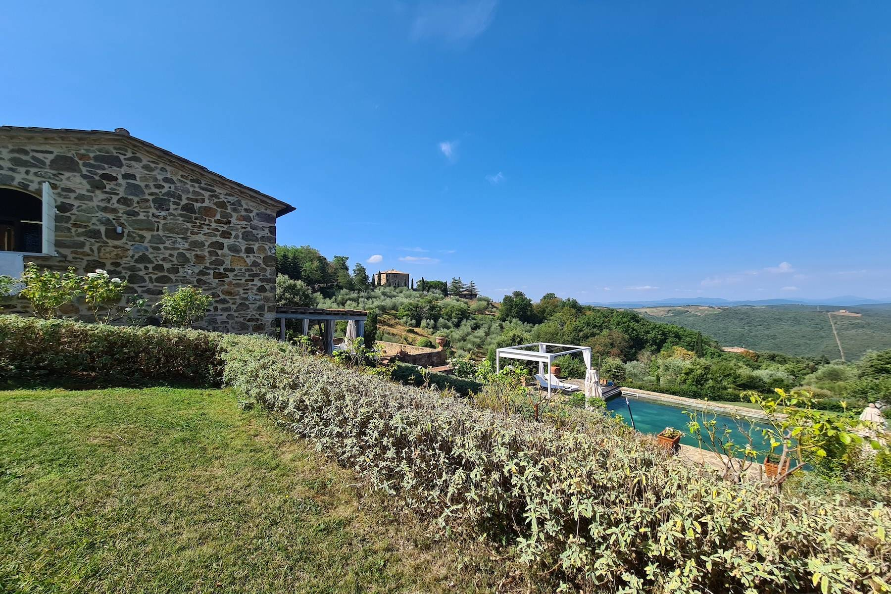 Marvelous newly restored farmhouse close to Montalcino - 26