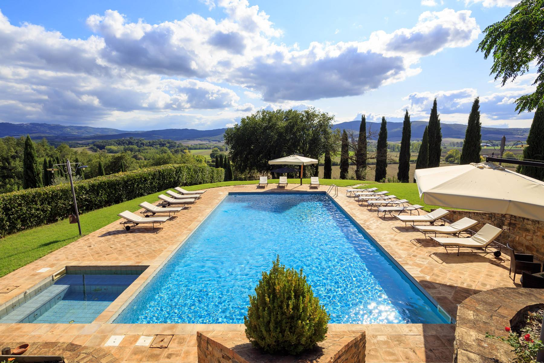 Exclusive property close to Siena - 12