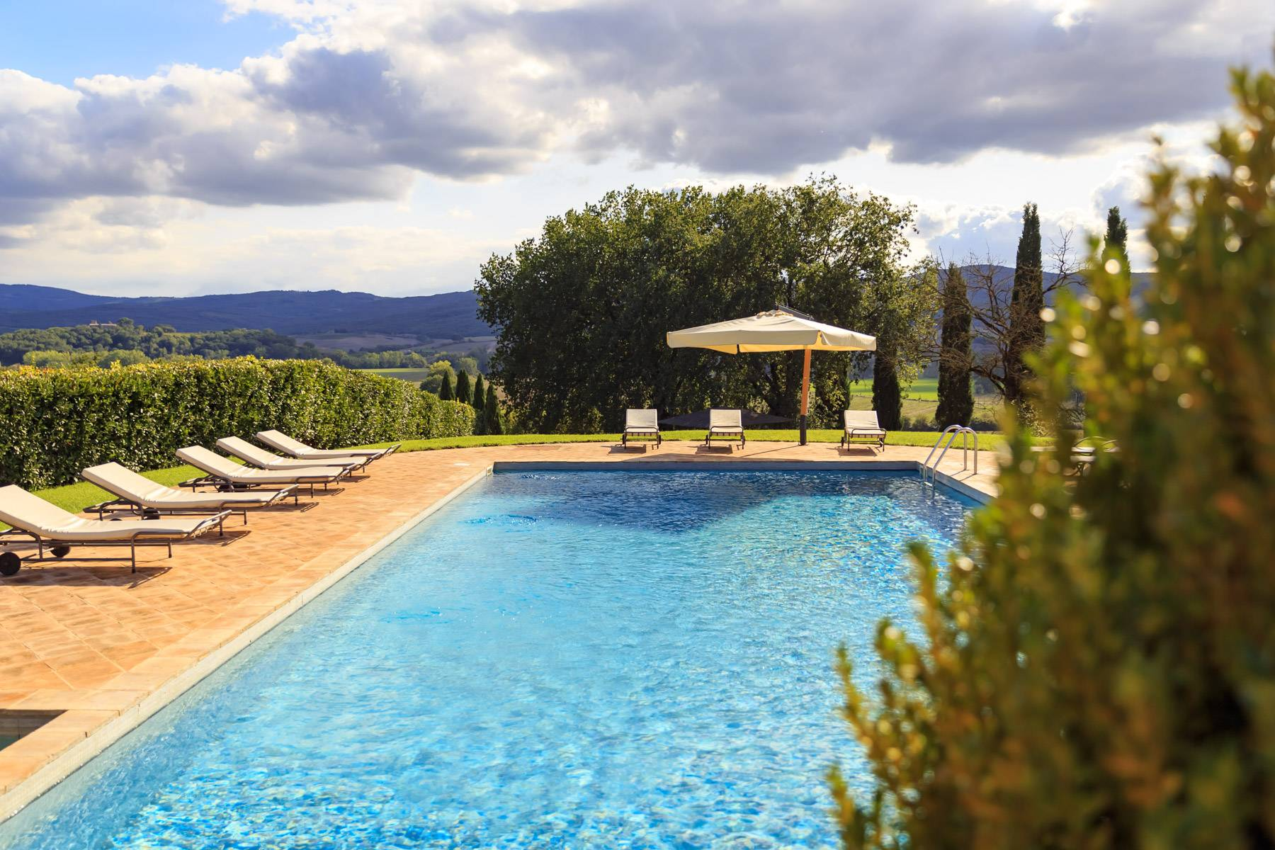 Exclusive property close to Siena - 40