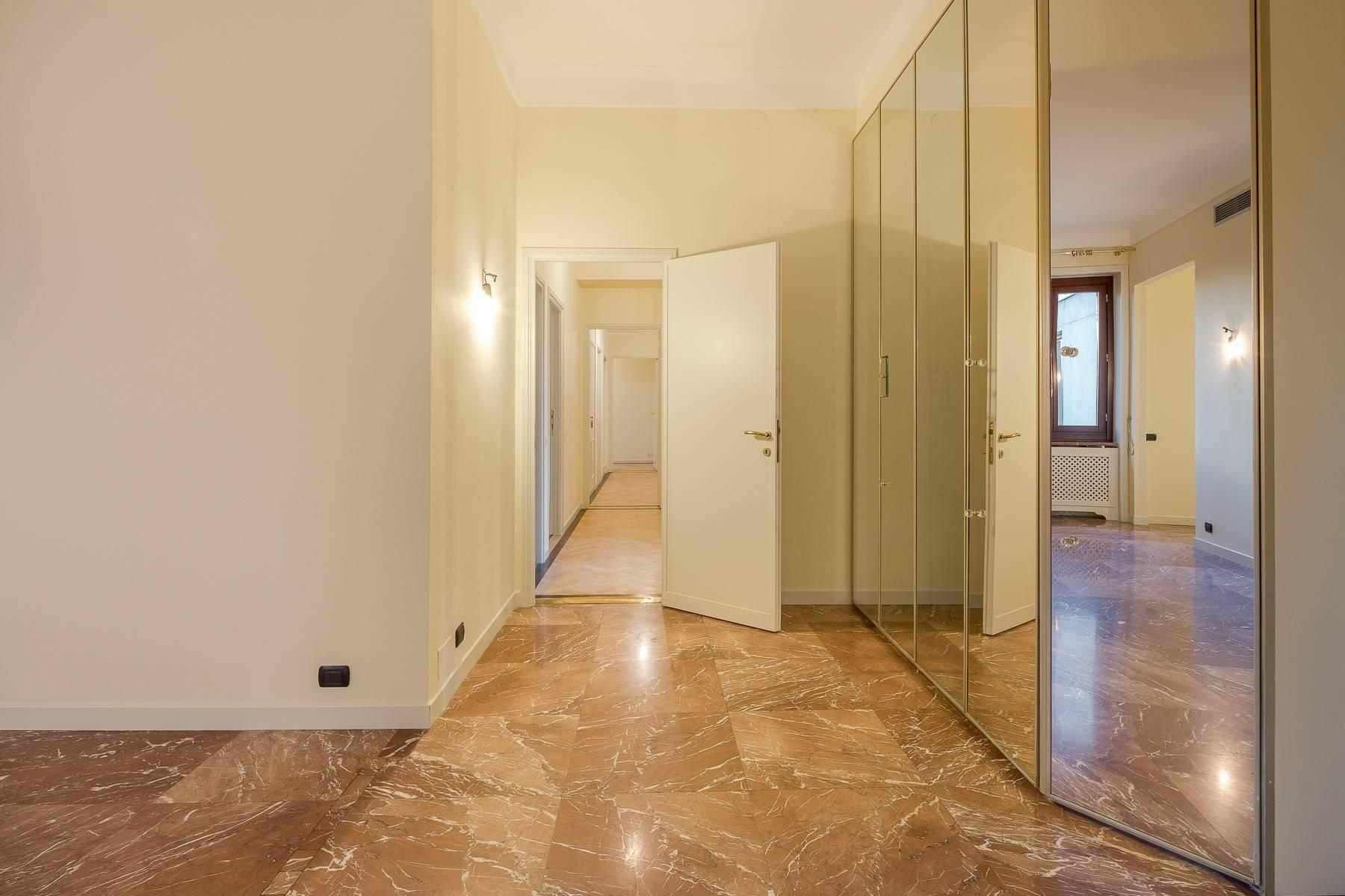 Spacious apartment in Gabba / Montenapoleone area - 4