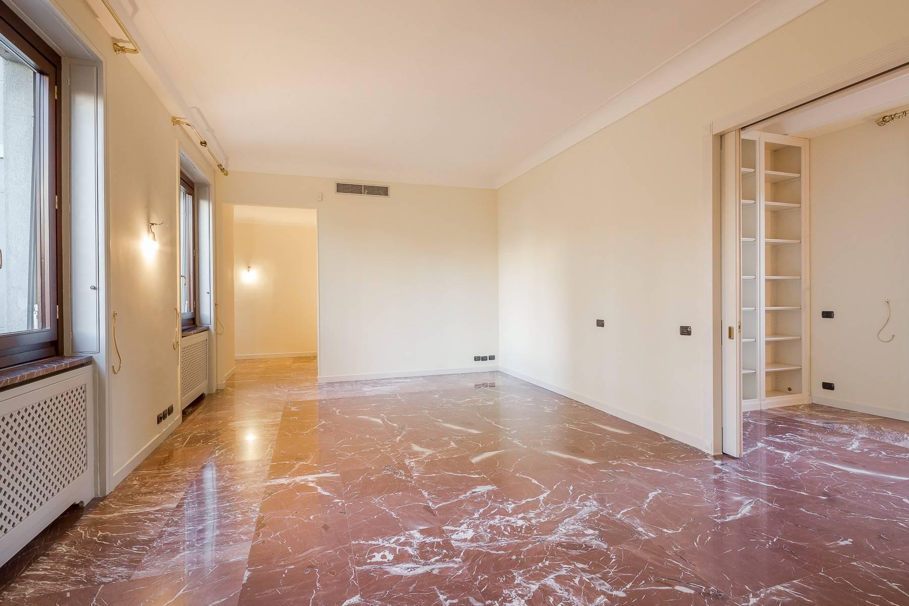 Grand appartement dans le quartier de Gabba / Montenapoleone - 14