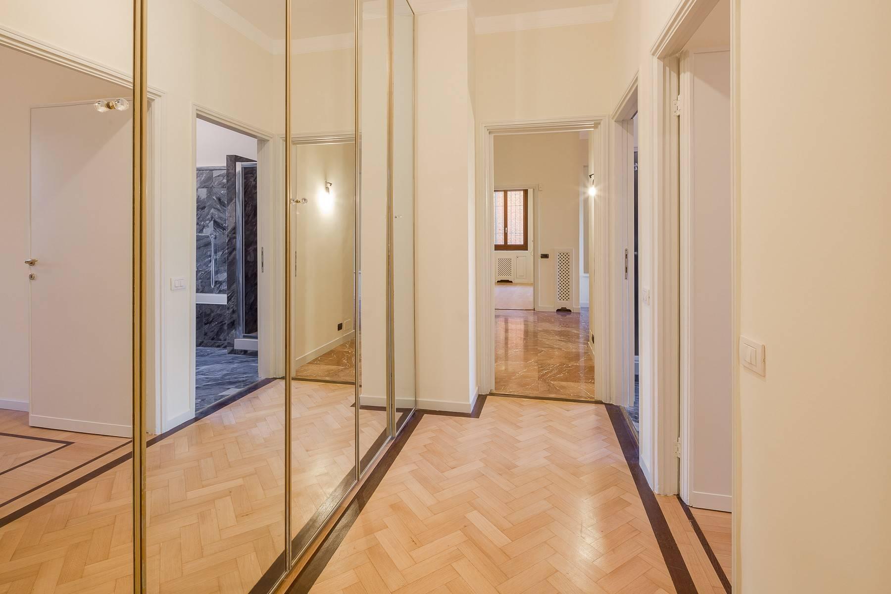 Grand appartement dans le quartier de Gabba / Montenapoleone - 11