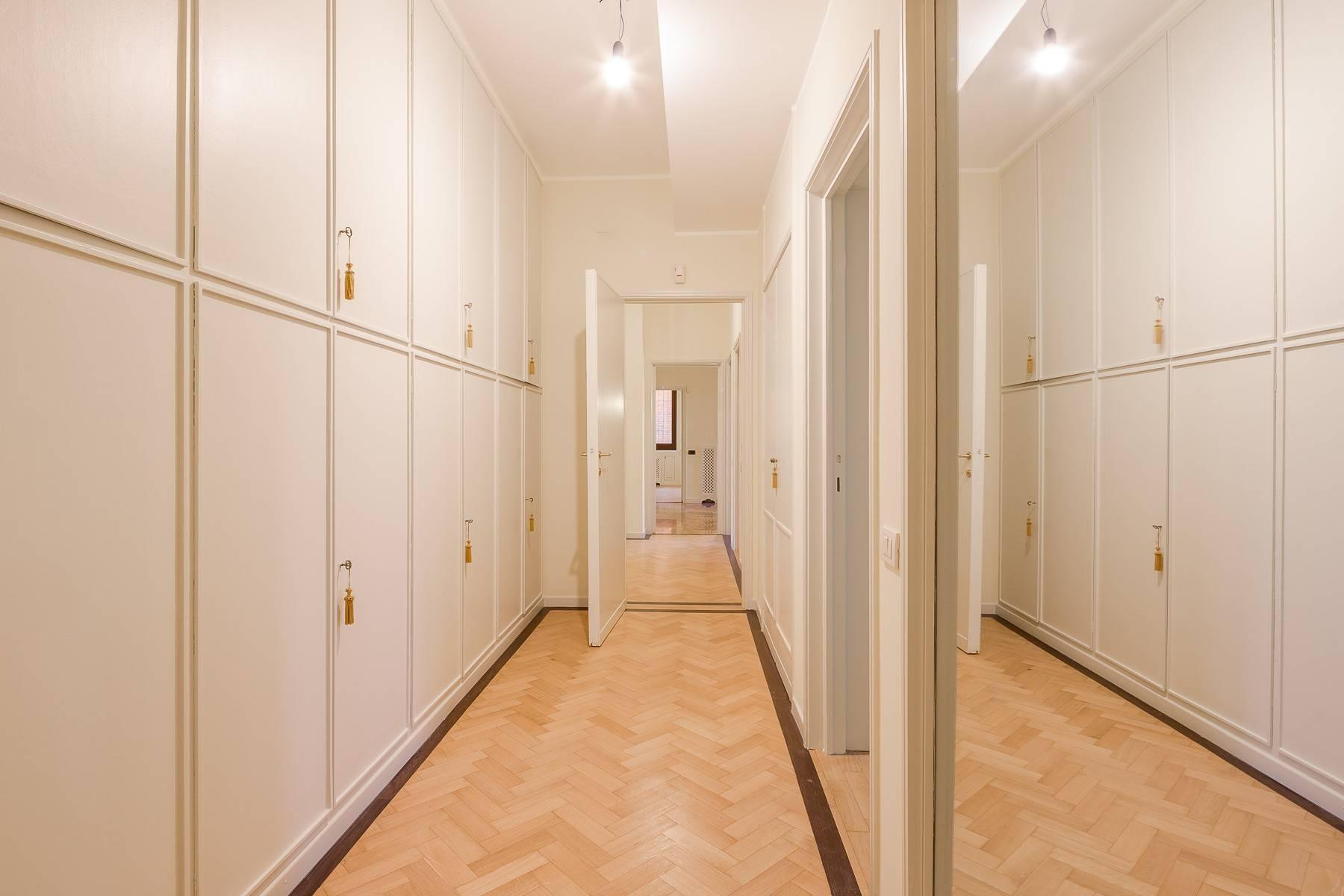 Grand appartement dans le quartier de Gabba / Montenapoleone - 24
